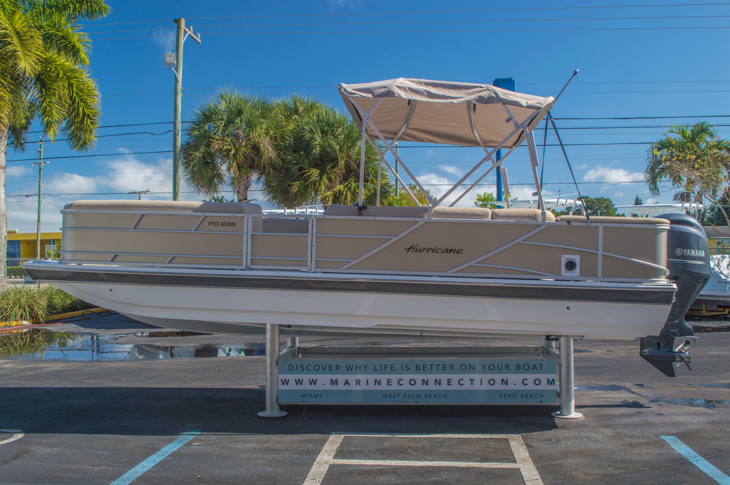 Thumbnail 4 for New 2016 Hurricane FunDeck FD 226 OB boat for sale in Vero Beach, FL