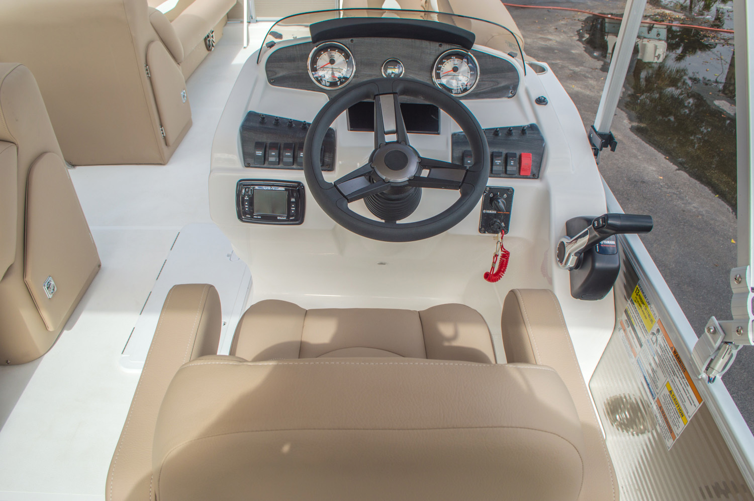 Thumbnail 28 for New 2016 Hurricane FunDeck FD 226 OB boat for sale in Vero Beach, FL