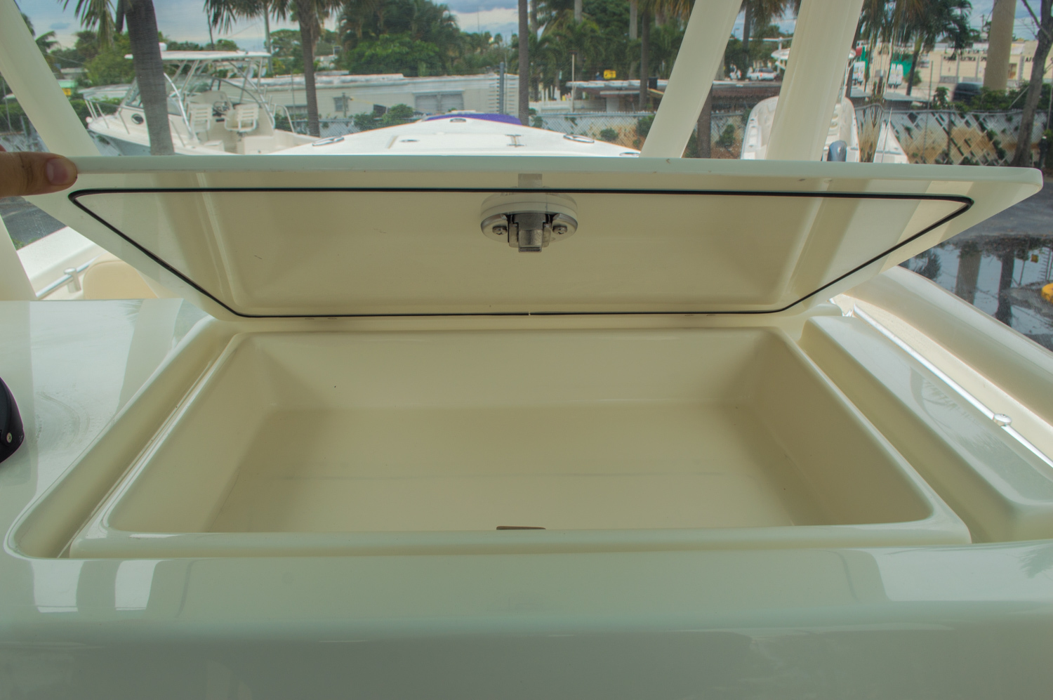 Thumbnail 43 for New 2016 Cobia 296 Center Console boat for sale in West Palm Beach, FL