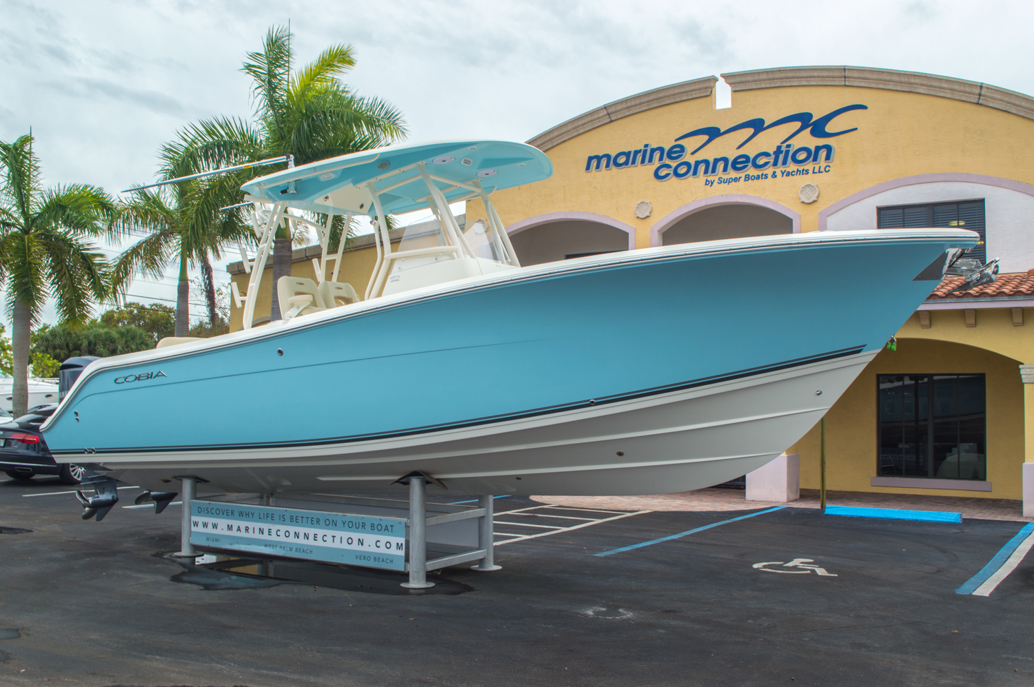 Thumbnail 1 for New 2016 Cobia 296 Center Console boat for sale in Vero Beach, FL