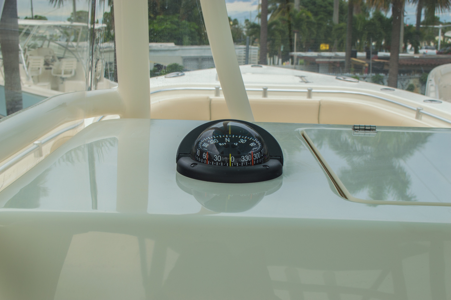 Thumbnail 42 for New 2016 Cobia 296 Center Console boat for sale in Vero Beach, FL