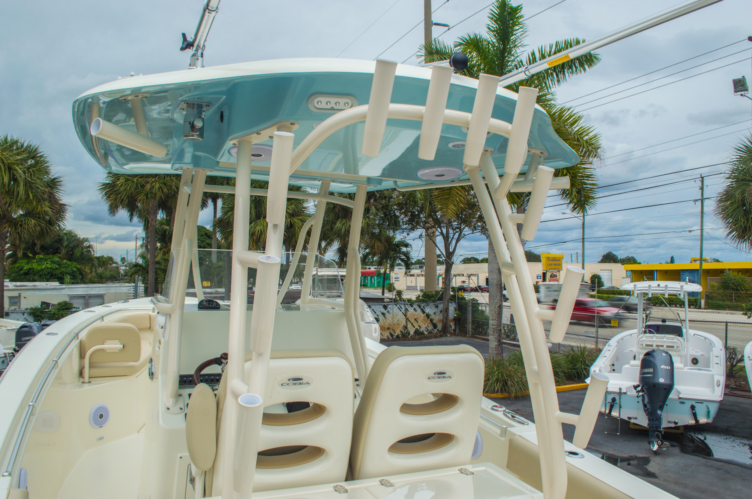 Thumbnail 31 for New 2016 Cobia 296 Center Console boat for sale in Vero Beach, FL