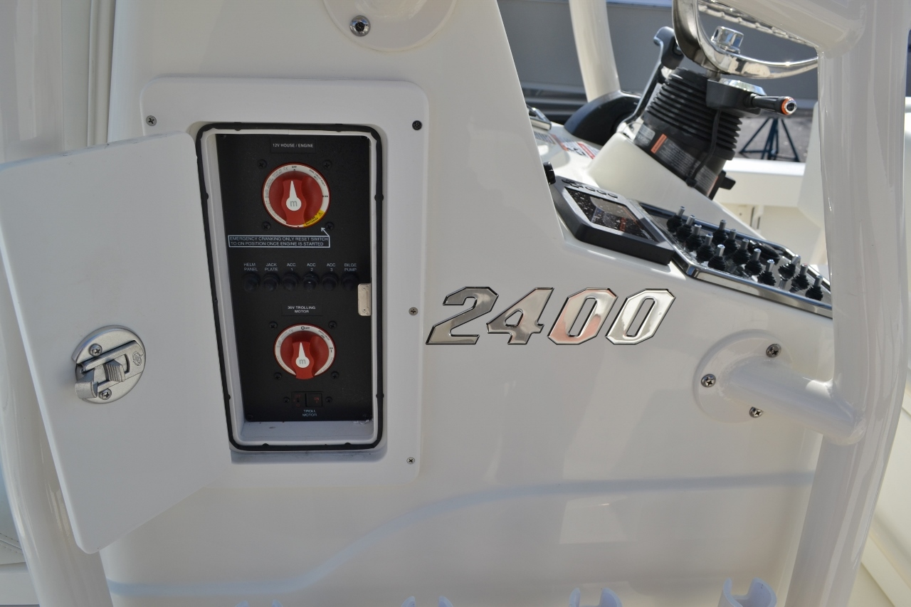 Thumbnail 24 for New 2016 Pathfinder 2400 TRS Bay Boat boat for sale in Vero Beach, FL