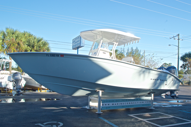 Thumbnail 5 for Used 2015 Cape Horn 27XS boat for sale in West Palm Beach, FL