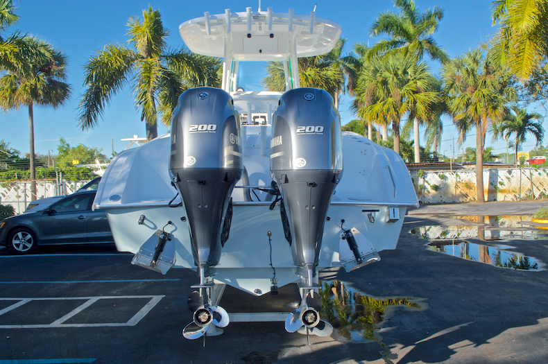Thumbnail 8 for Used 2015 Cape Horn 27XS boat for sale in West Palm Beach, FL