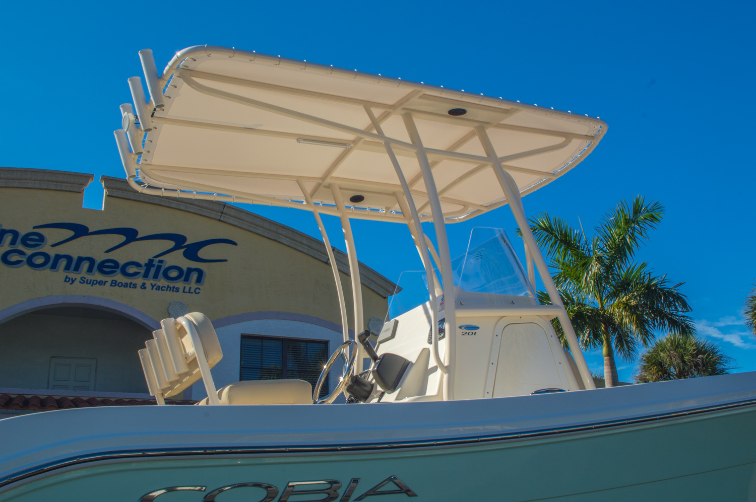 Thumbnail 8 for New 2016 Cobia 201 Center Console boat for sale in Miami, FL