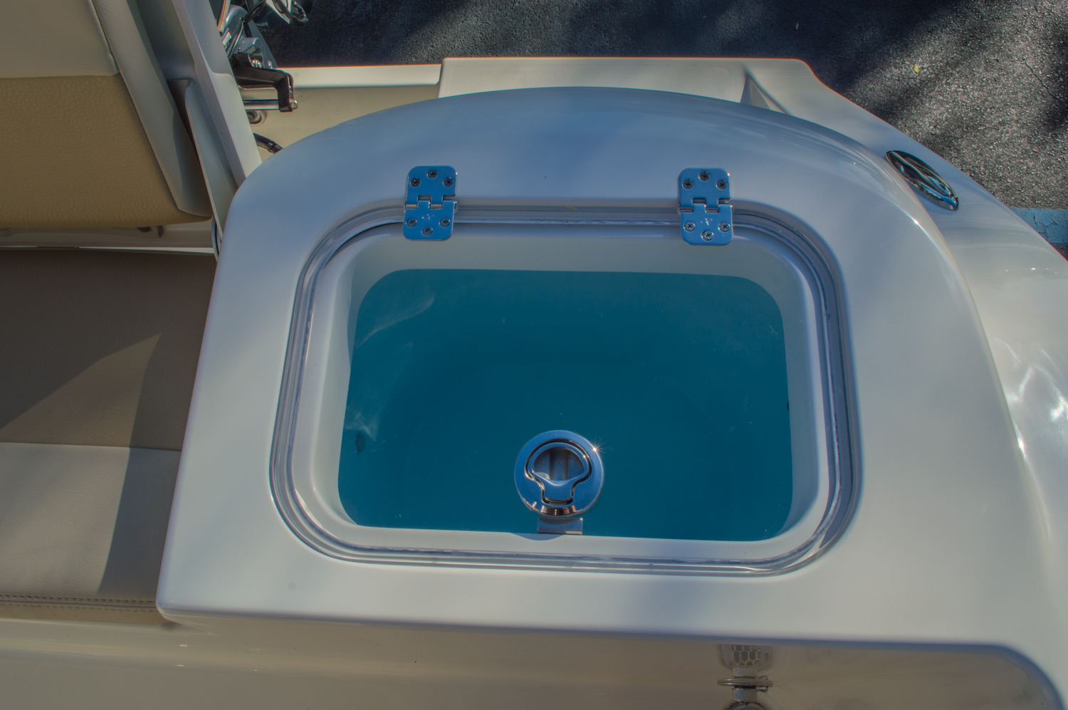 Thumbnail 15 for New 2016 Cobia 201 Center Console boat for sale in Miami, FL