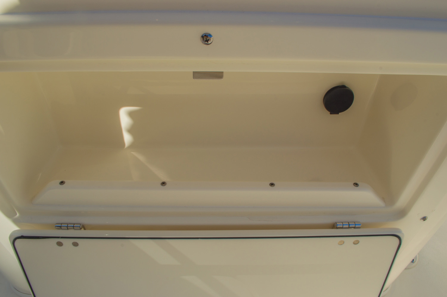 Thumbnail 28 for New 2016 Cobia 201 Center Console boat for sale in Miami, FL