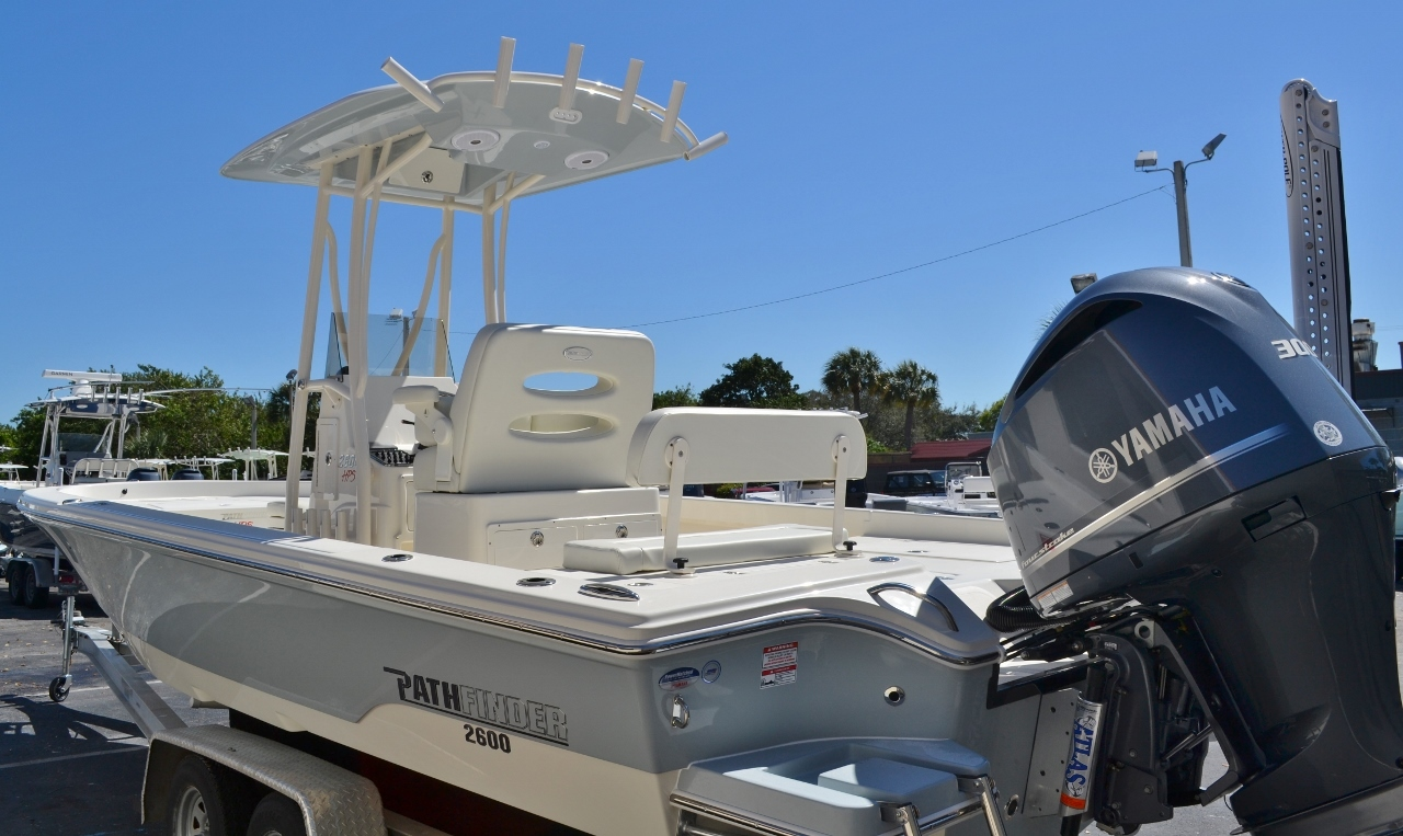 Thumbnail 4 for New 2016 Pathfinder 2600 HPS Bay Boat boat for sale in Vero Beach, FL