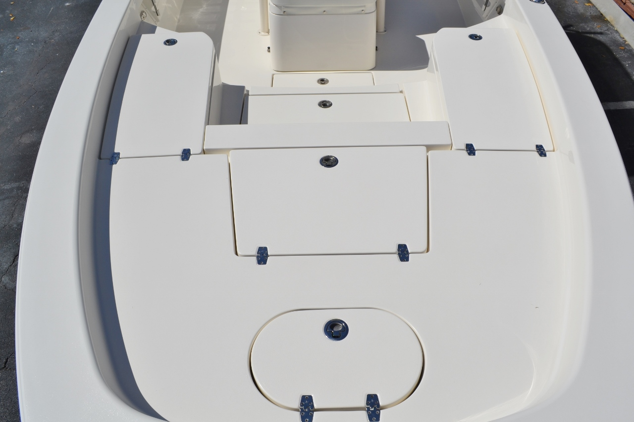Thumbnail 13 for New 2016 Pathfinder 2600 HPS Bay Boat boat for sale in Vero Beach, FL