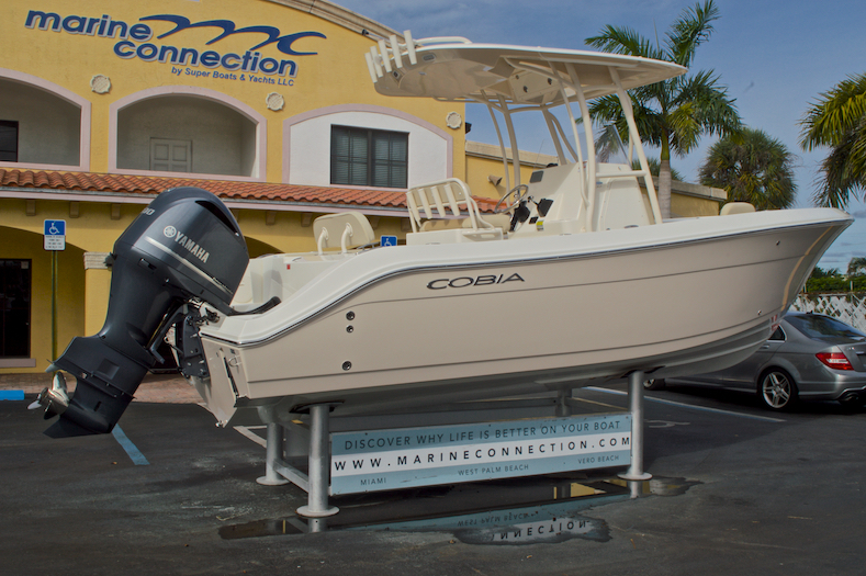 Thumbnail 8 for New 2016 Cobia 237 Center Console boat for sale in Miami, FL