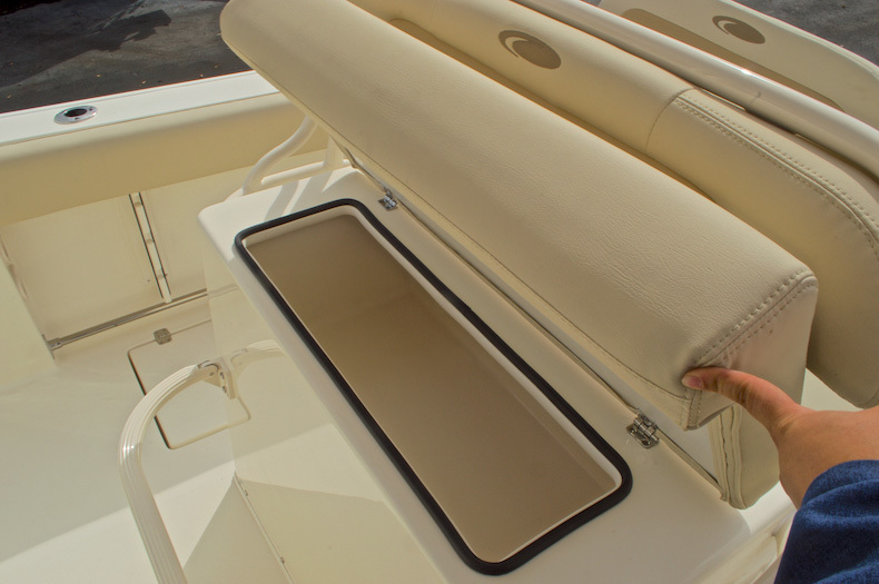 Thumbnail 31 for New 2016 Cobia 237 Center Console boat for sale in Miami, FL