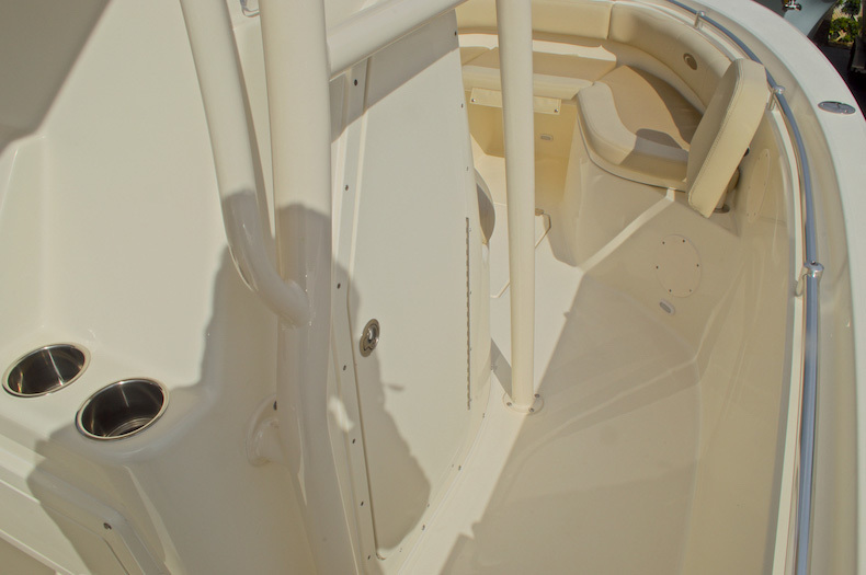 Thumbnail 47 for New 2016 Cobia 237 Center Console boat for sale in Miami, FL