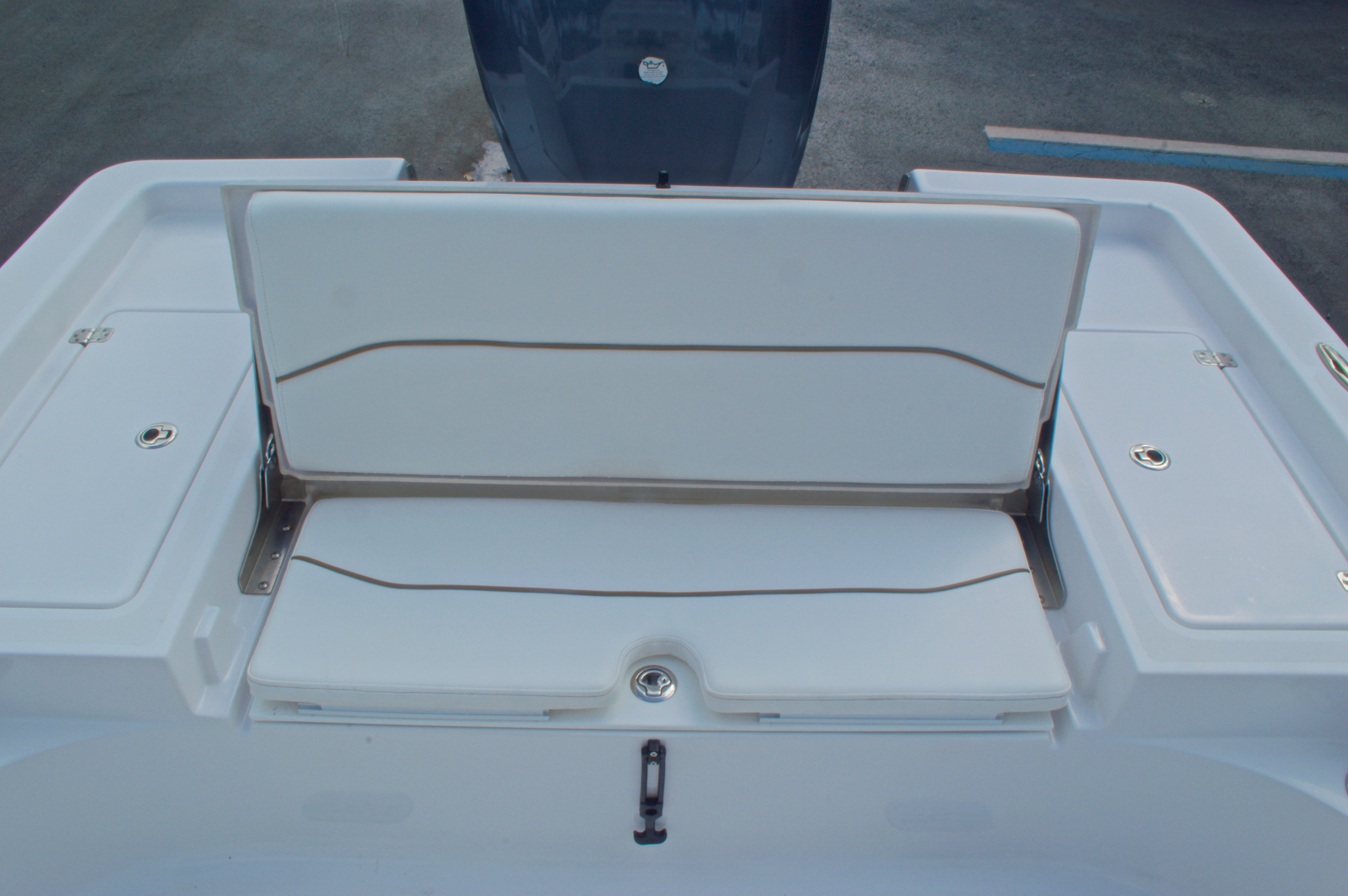 Thumbnail 11 for New 2014 Sportsman Masters 247 Bay Boat boat for sale in West Palm Beach, FL