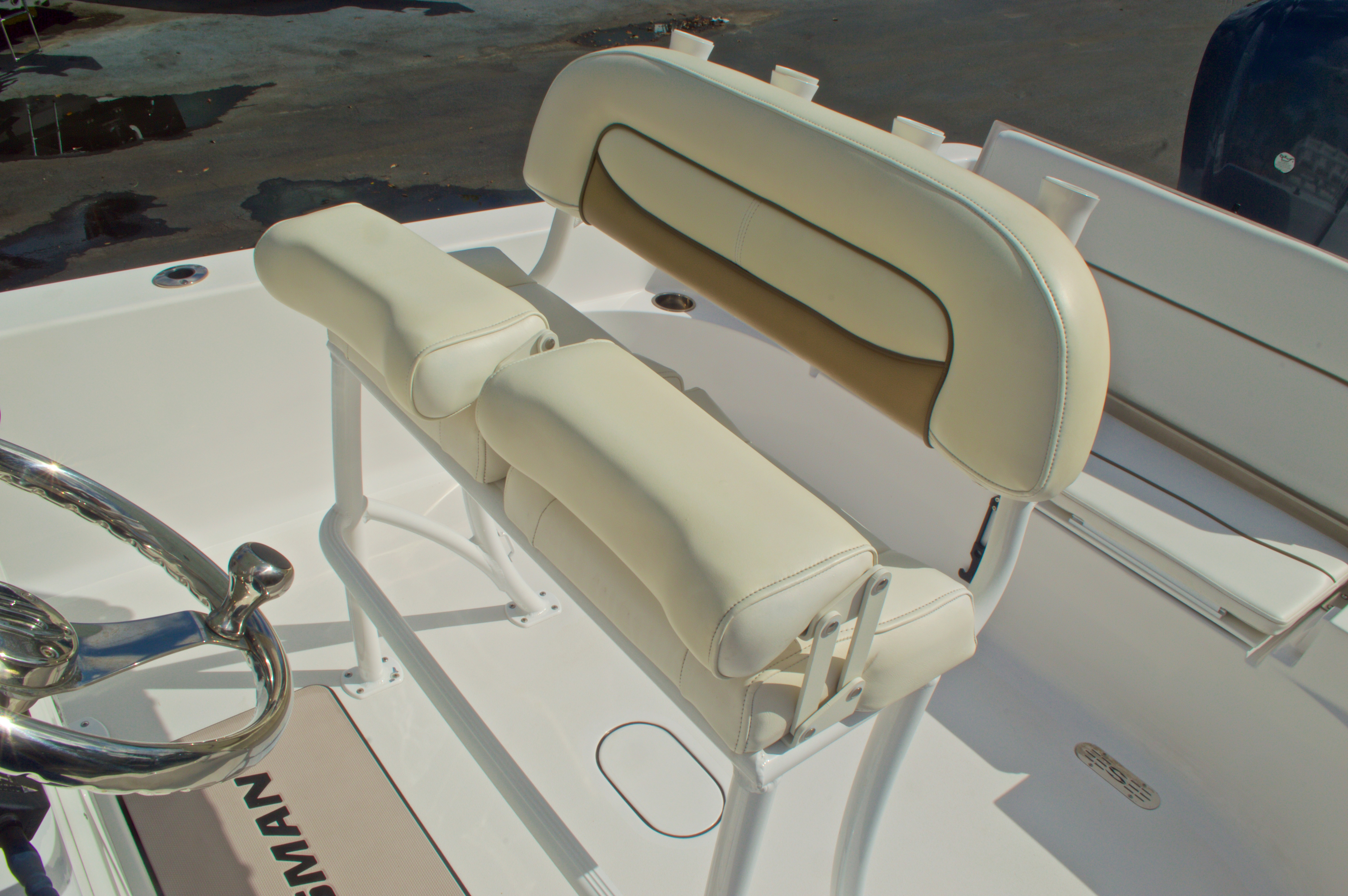 Thumbnail 22 for New 2014 Sportsman Masters 247 Bay Boat boat for sale in West Palm Beach, FL