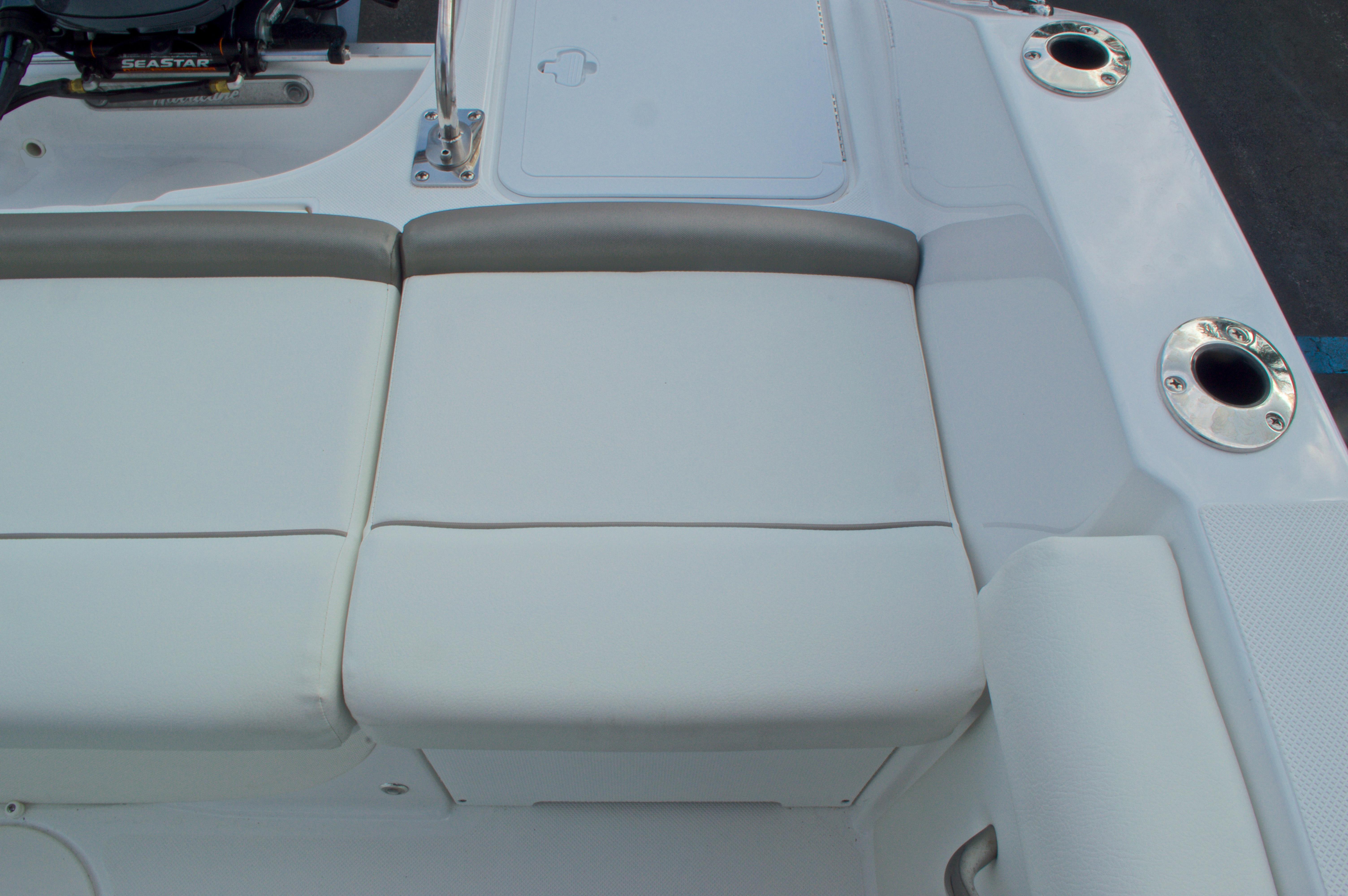 Thumbnail 19 for New 2016 Hurricane CC21 Center Console boat for sale in Vero Beach, FL
