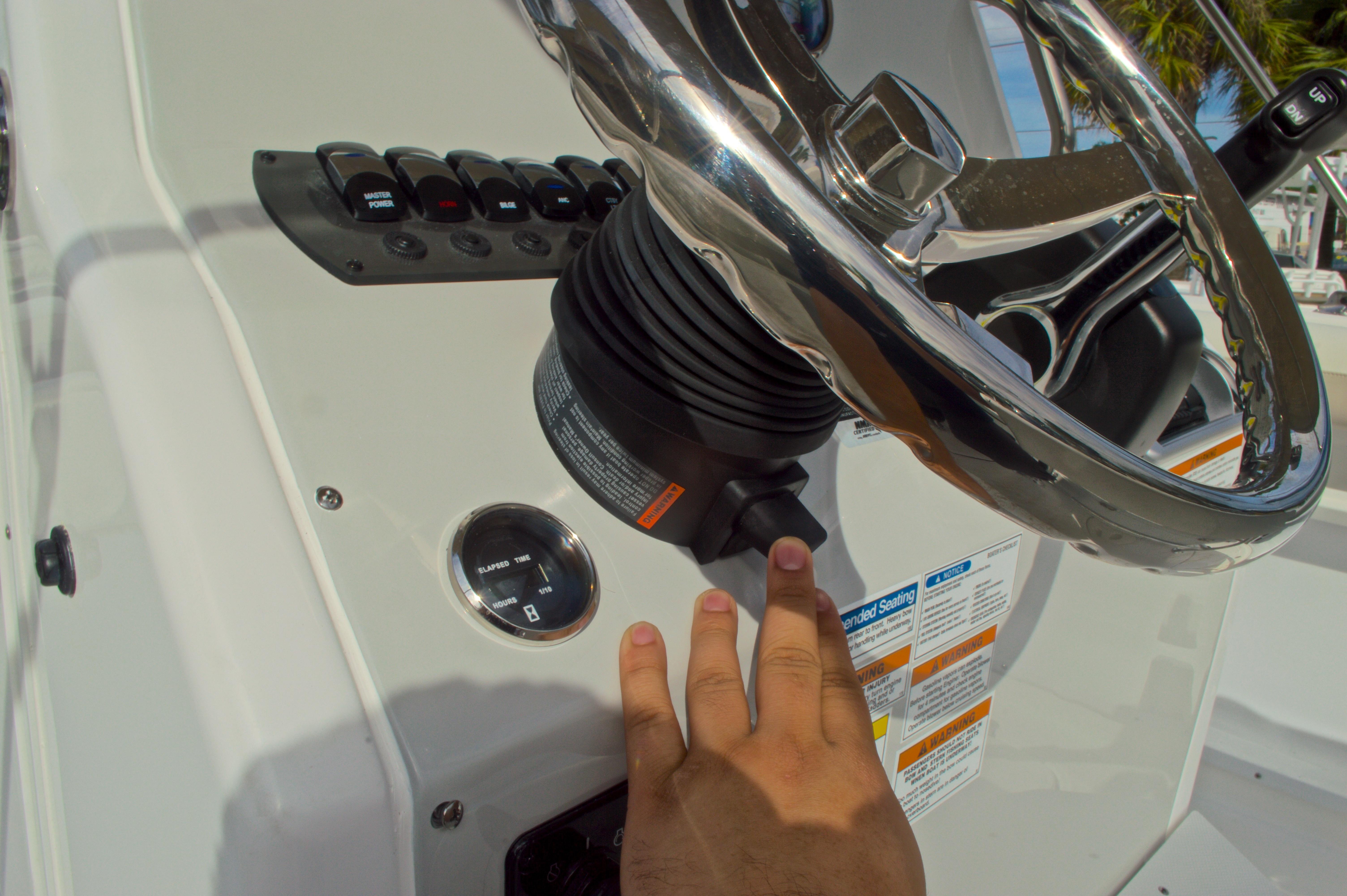 Thumbnail 38 for New 2016 Hurricane CC21 Center Console boat for sale in Vero Beach, FL