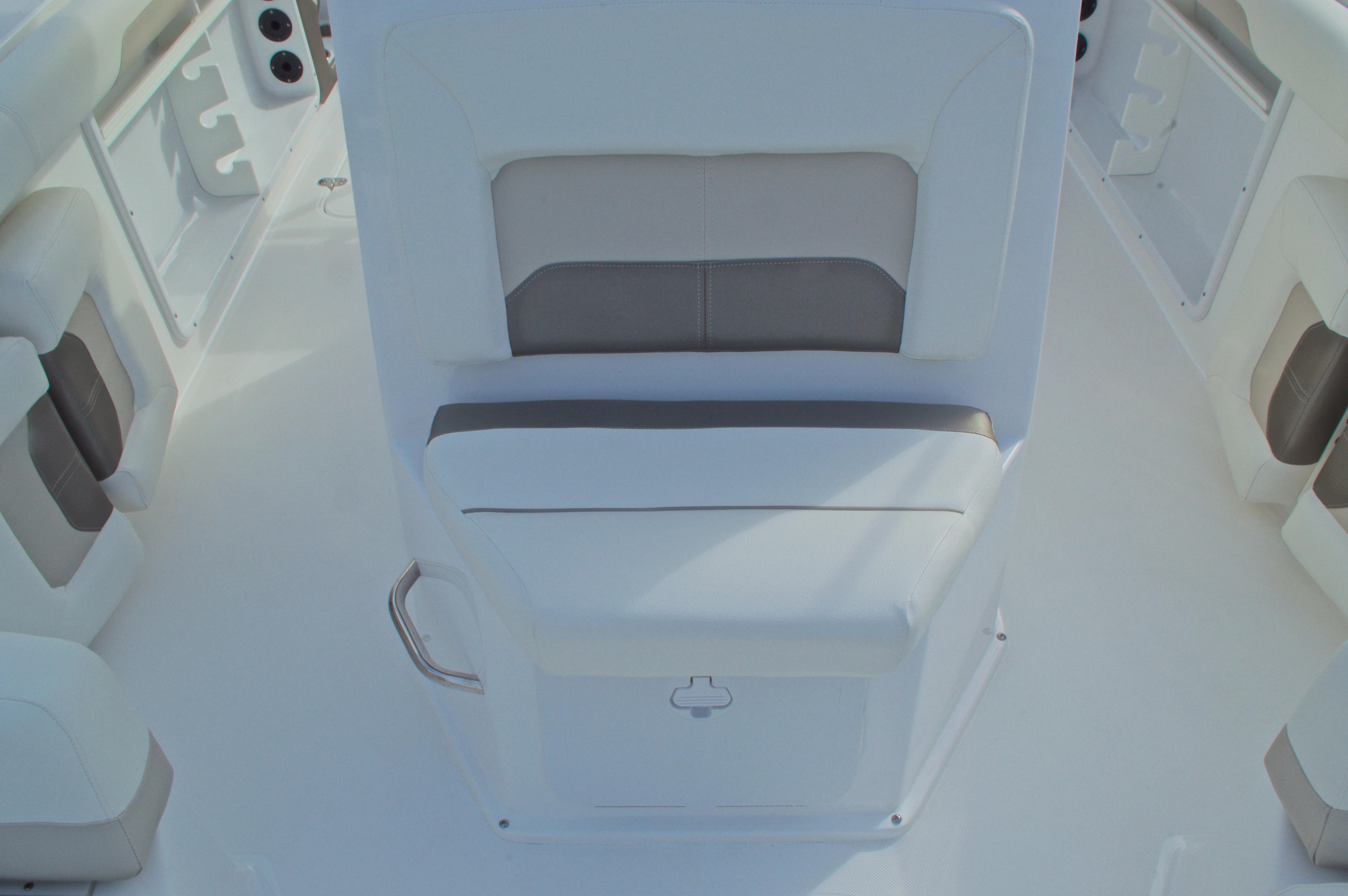 Thumbnail 43 for New 2016 Hurricane CC21 Center Console boat for sale in Vero Beach, FL