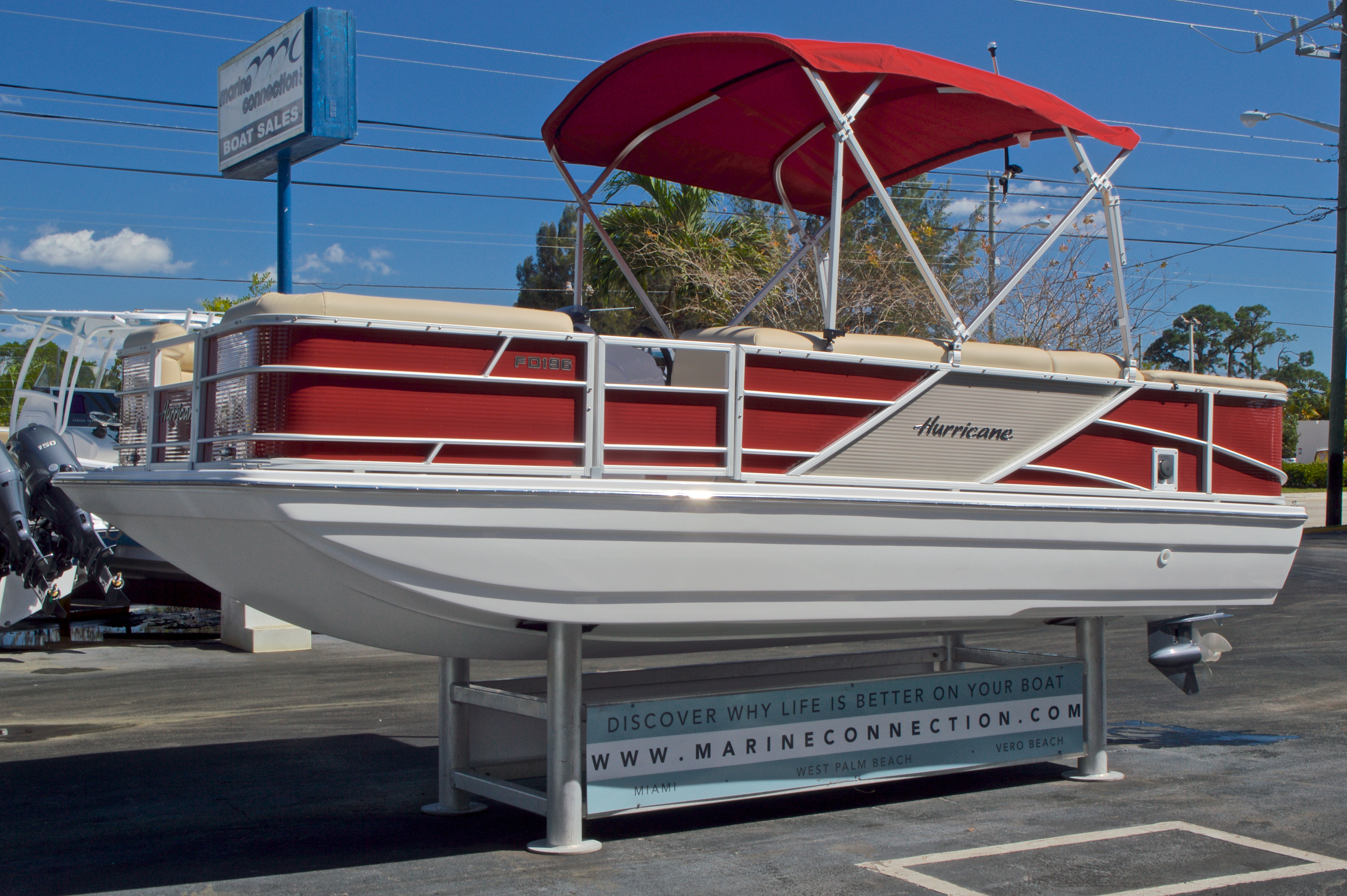 Thumbnail 4 for New 2016 Hurricane Fundeck FD 196 OB boat for sale in Vero Beach, FL