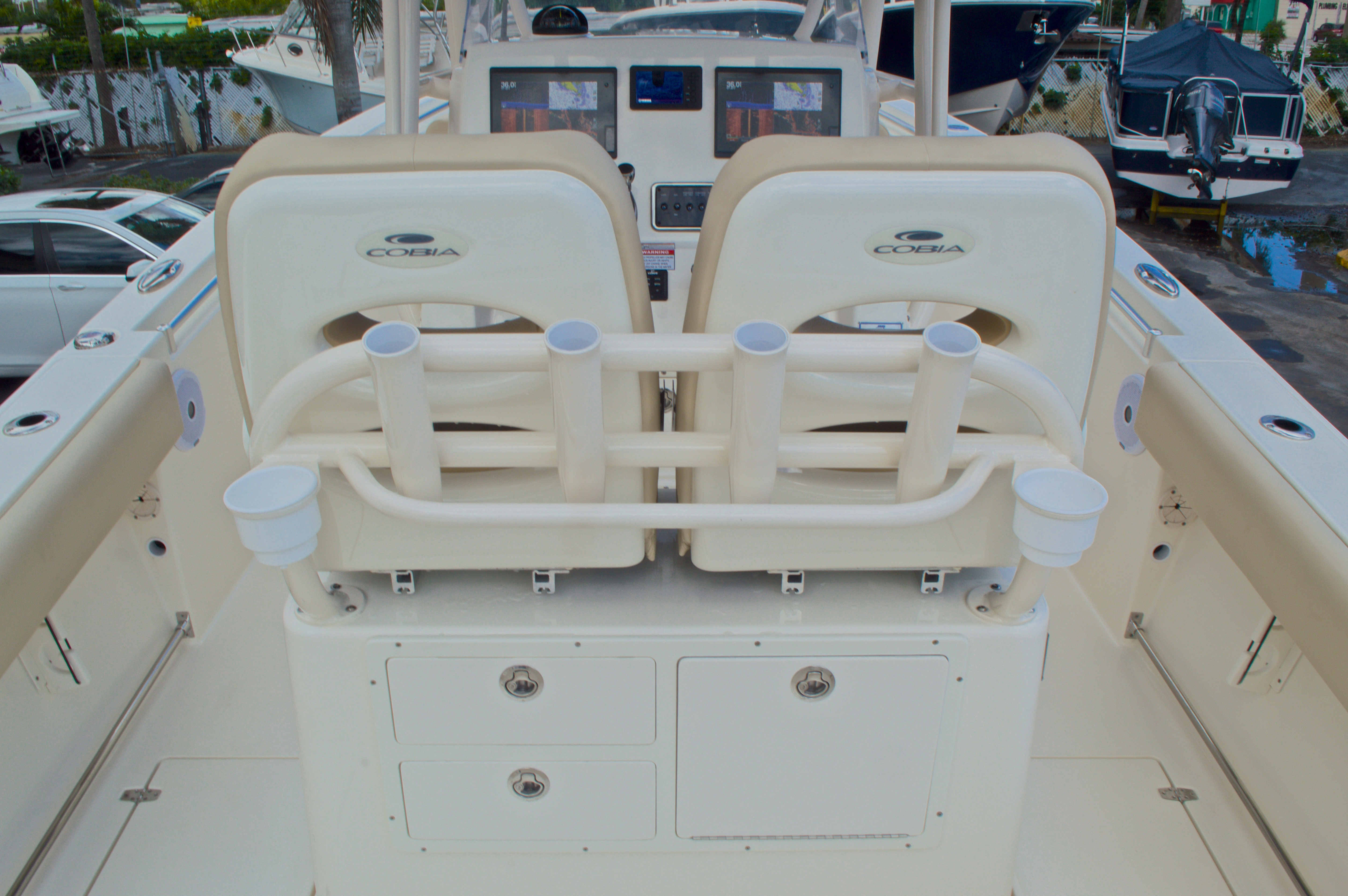 Thumbnail 11 for New 2016 Cobia 261 Center Console boat for sale in West Palm Beach, FL