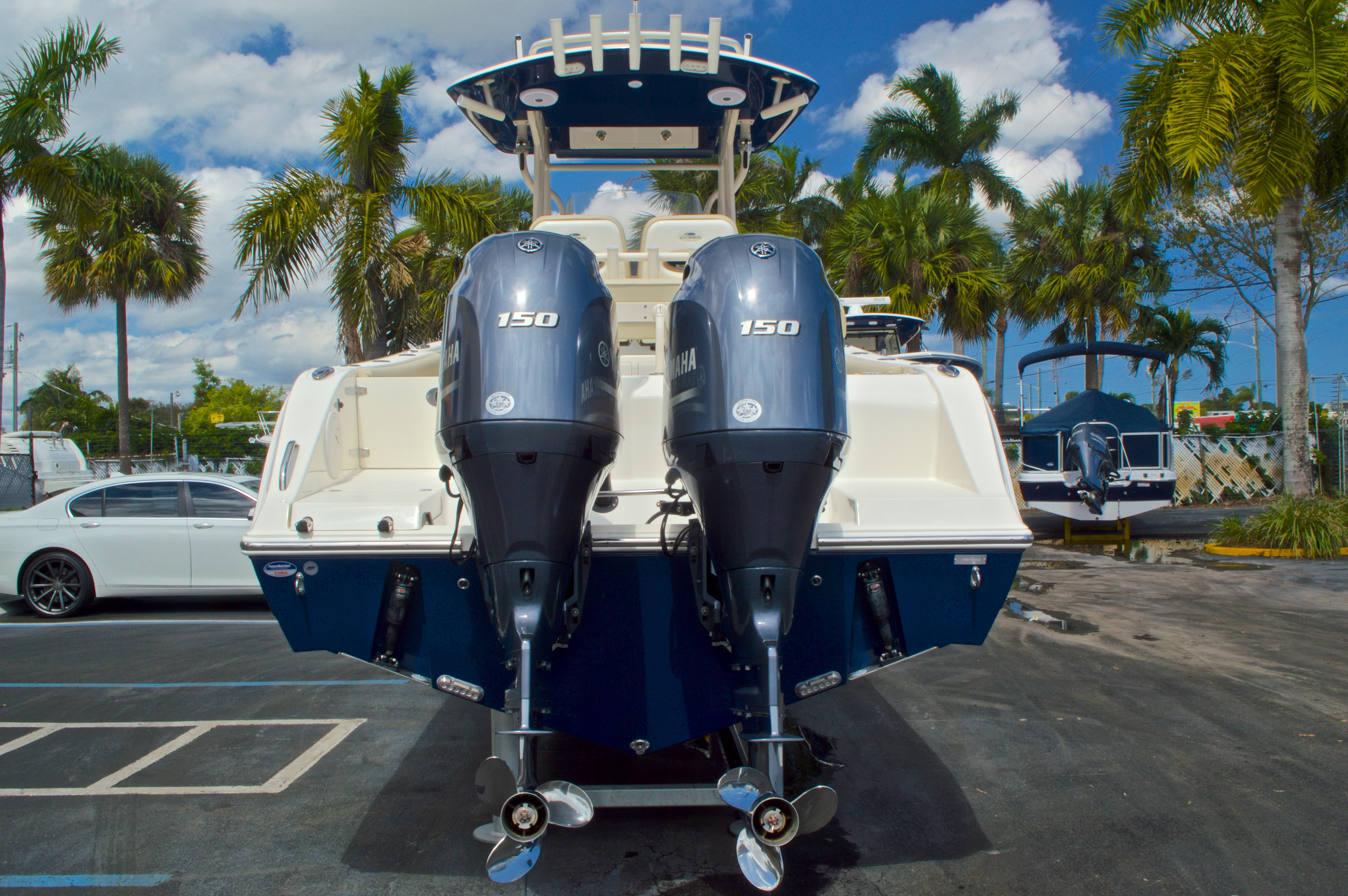 Thumbnail 7 for New 2016 Cobia 261 Center Console boat for sale in West Palm Beach, FL