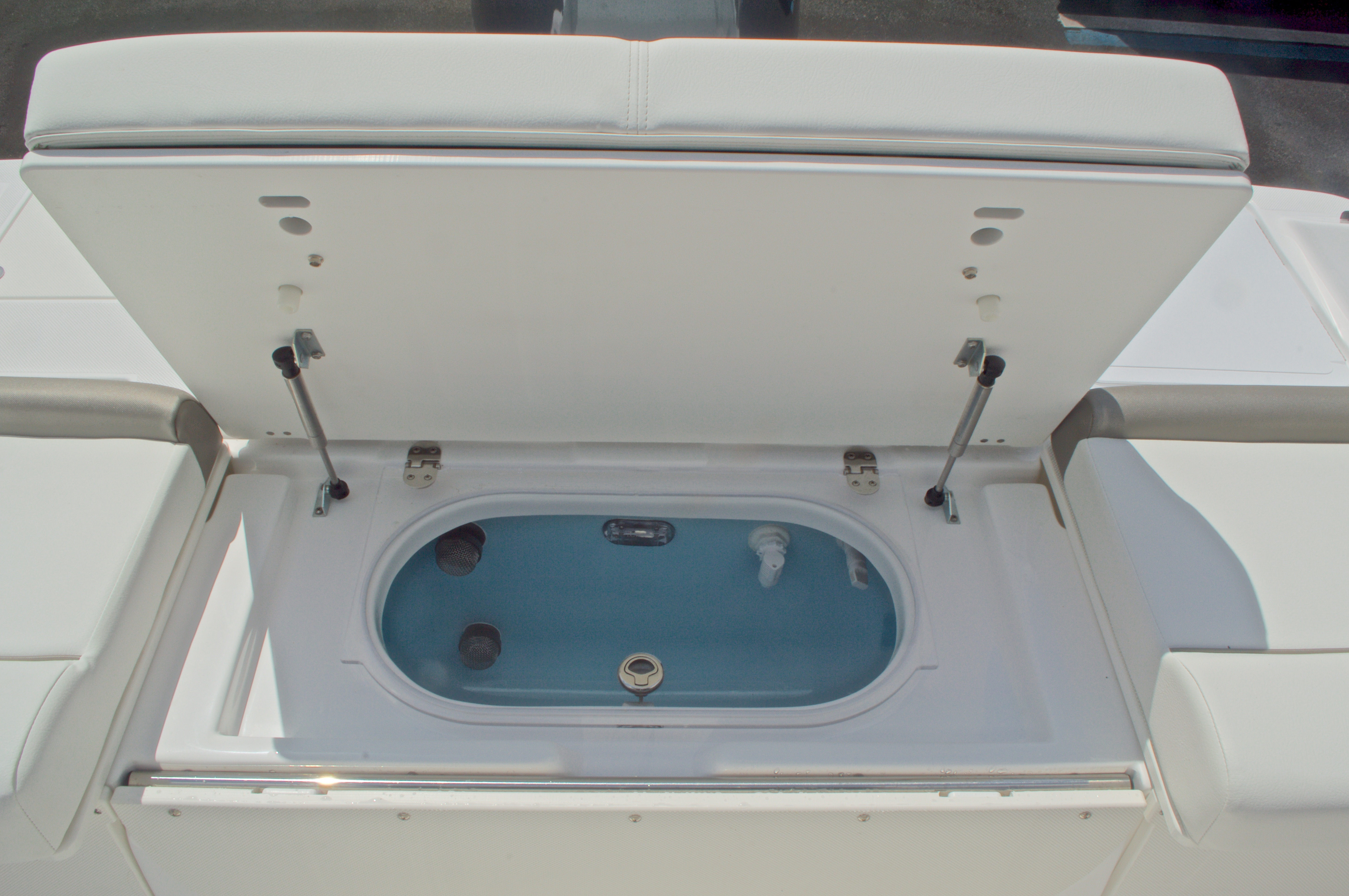 Thumbnail 18 for New 2016 Hurricane CC19 Center Console boat for sale in West Palm Beach, FL