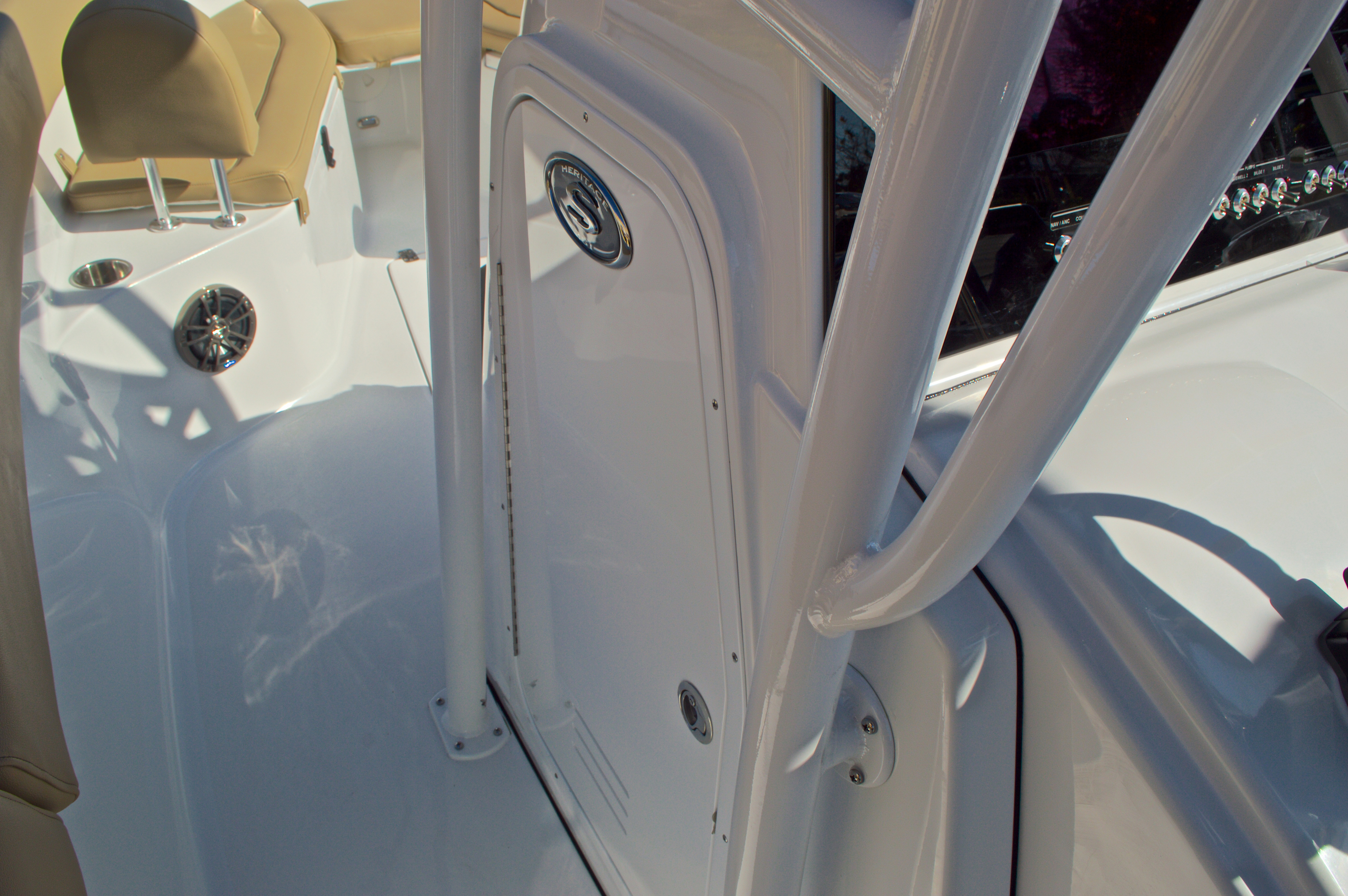 Thumbnail 48 for New 2016 Sportsman Heritage 251 Center Console boat for sale in West Palm Beach, FL