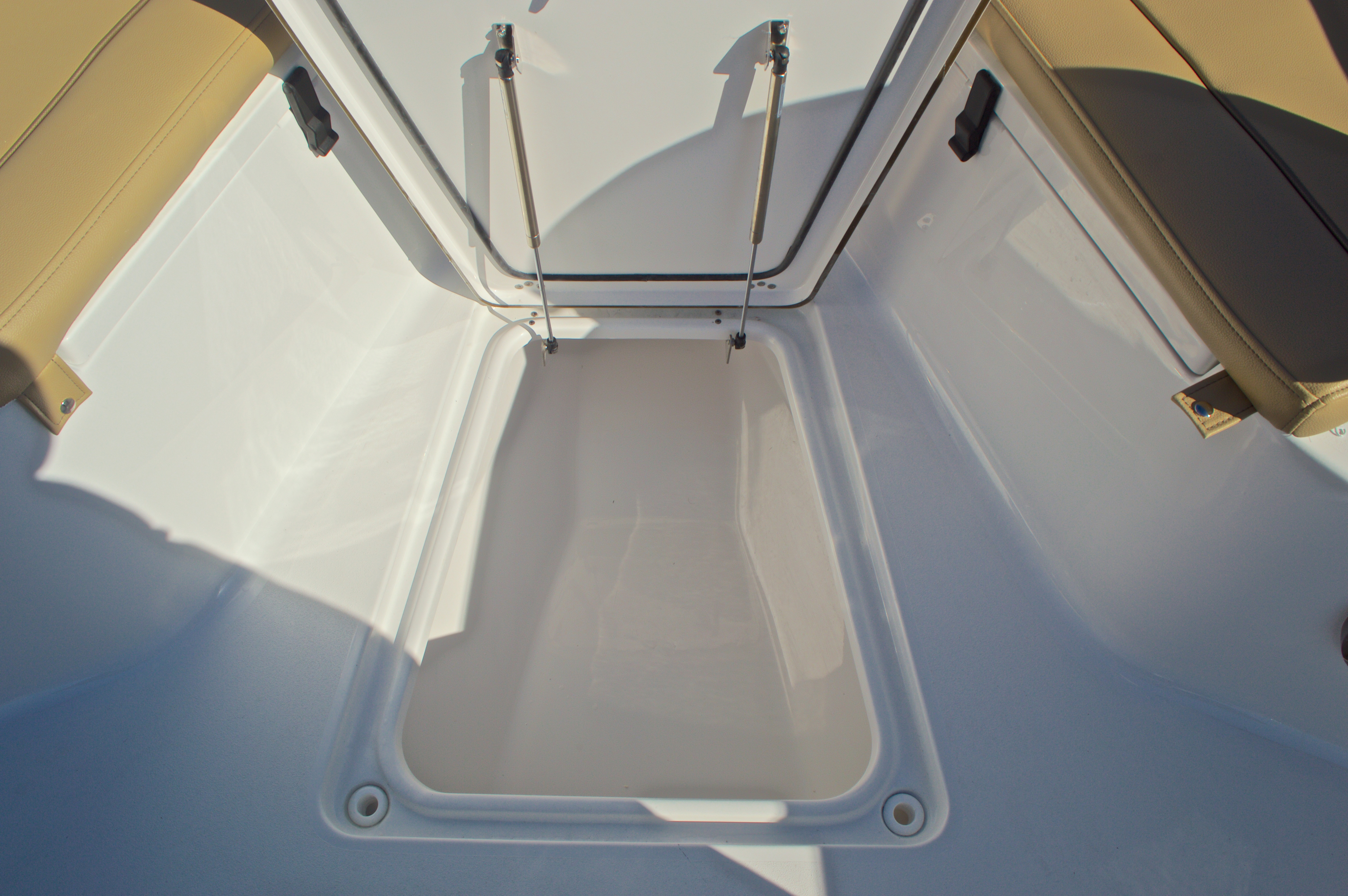 Thumbnail 54 for New 2016 Sportsman Heritage 251 Center Console boat for sale in West Palm Beach, FL