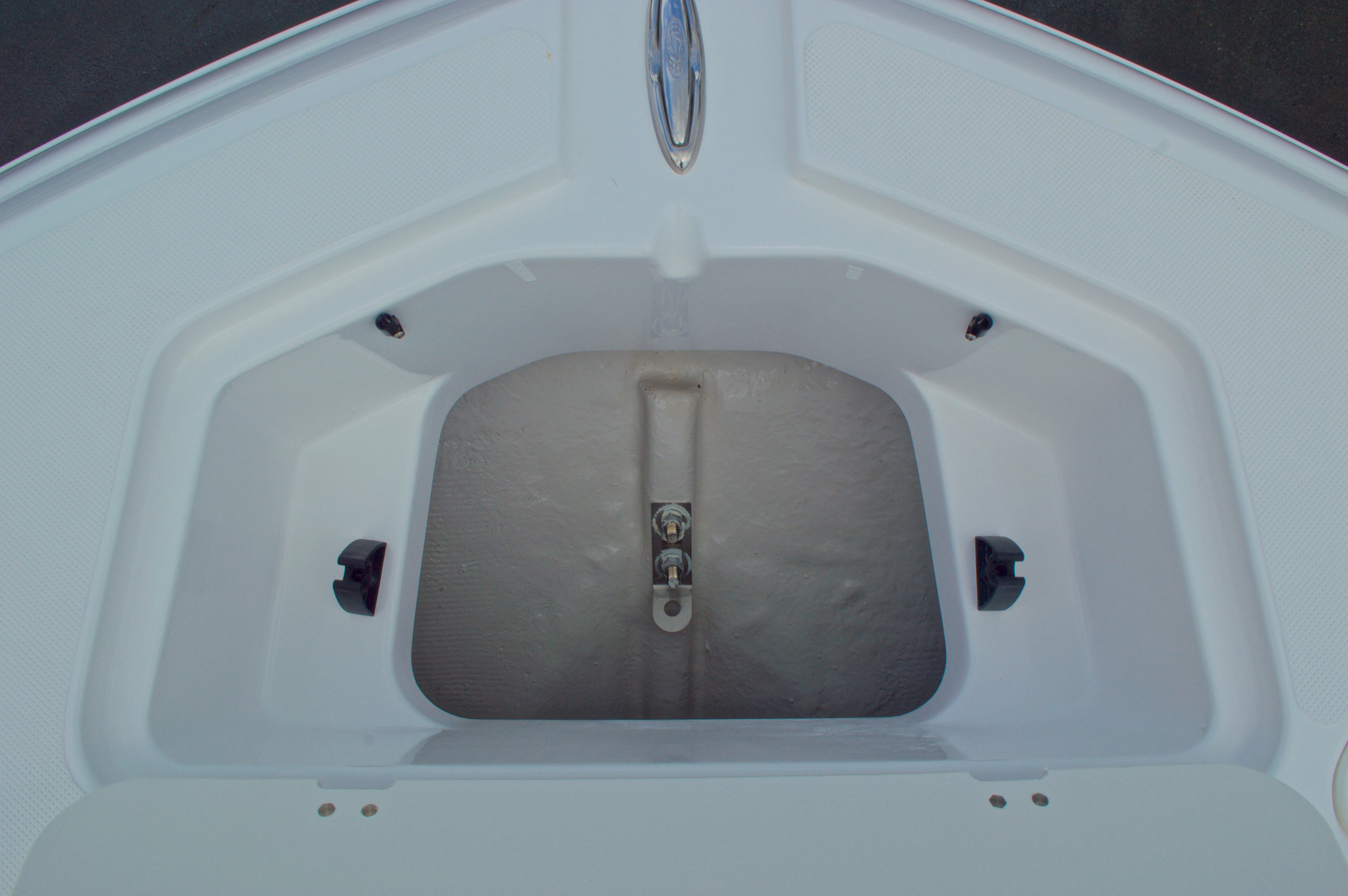 Thumbnail 51 for New 2016 Hurricane SunDeck SD 2200 OB boat for sale in West Palm Beach, FL