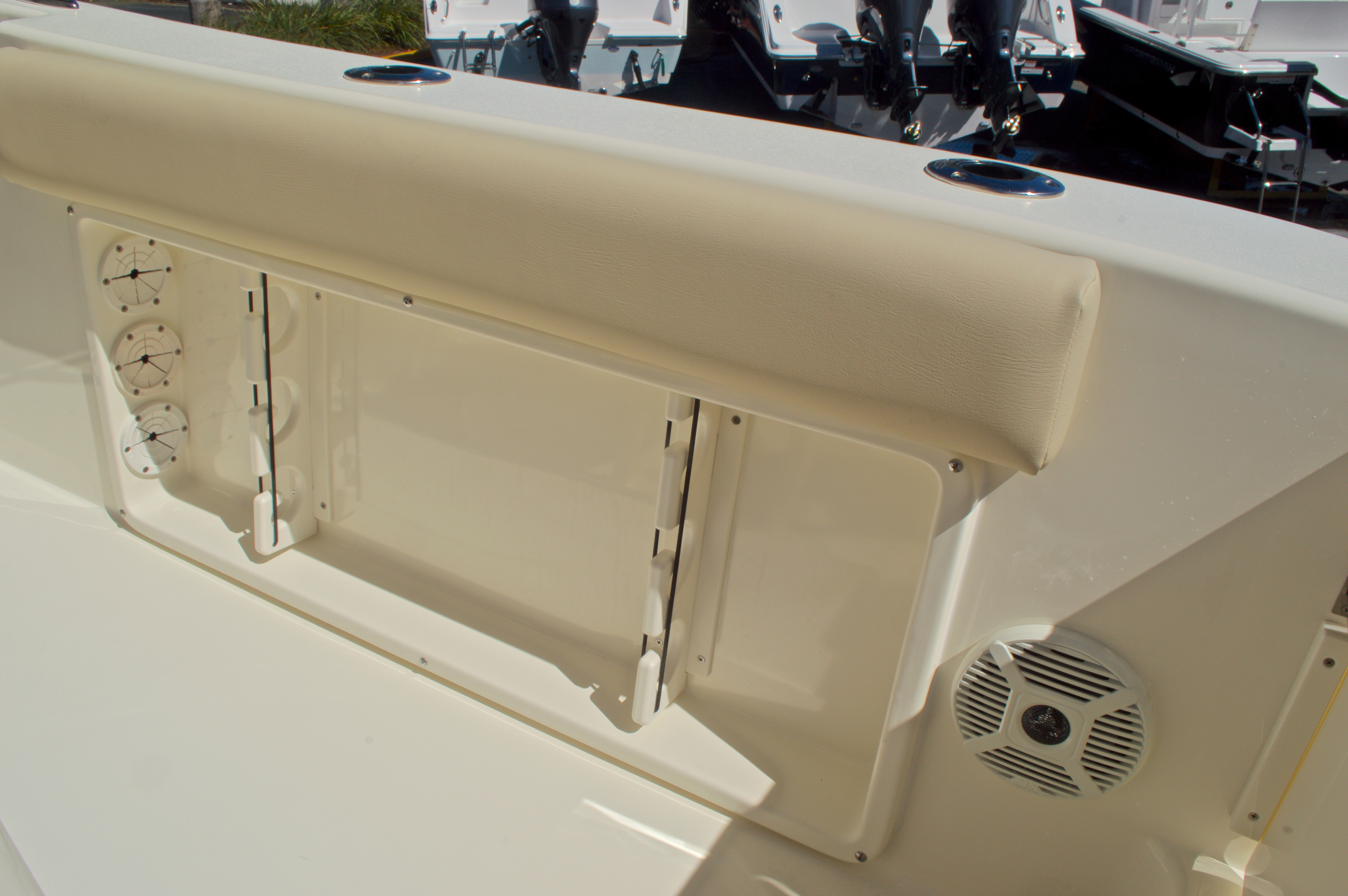 Thumbnail 21 for New 2016 Cobia 201 Center Console boat for sale in Vero Beach, FL