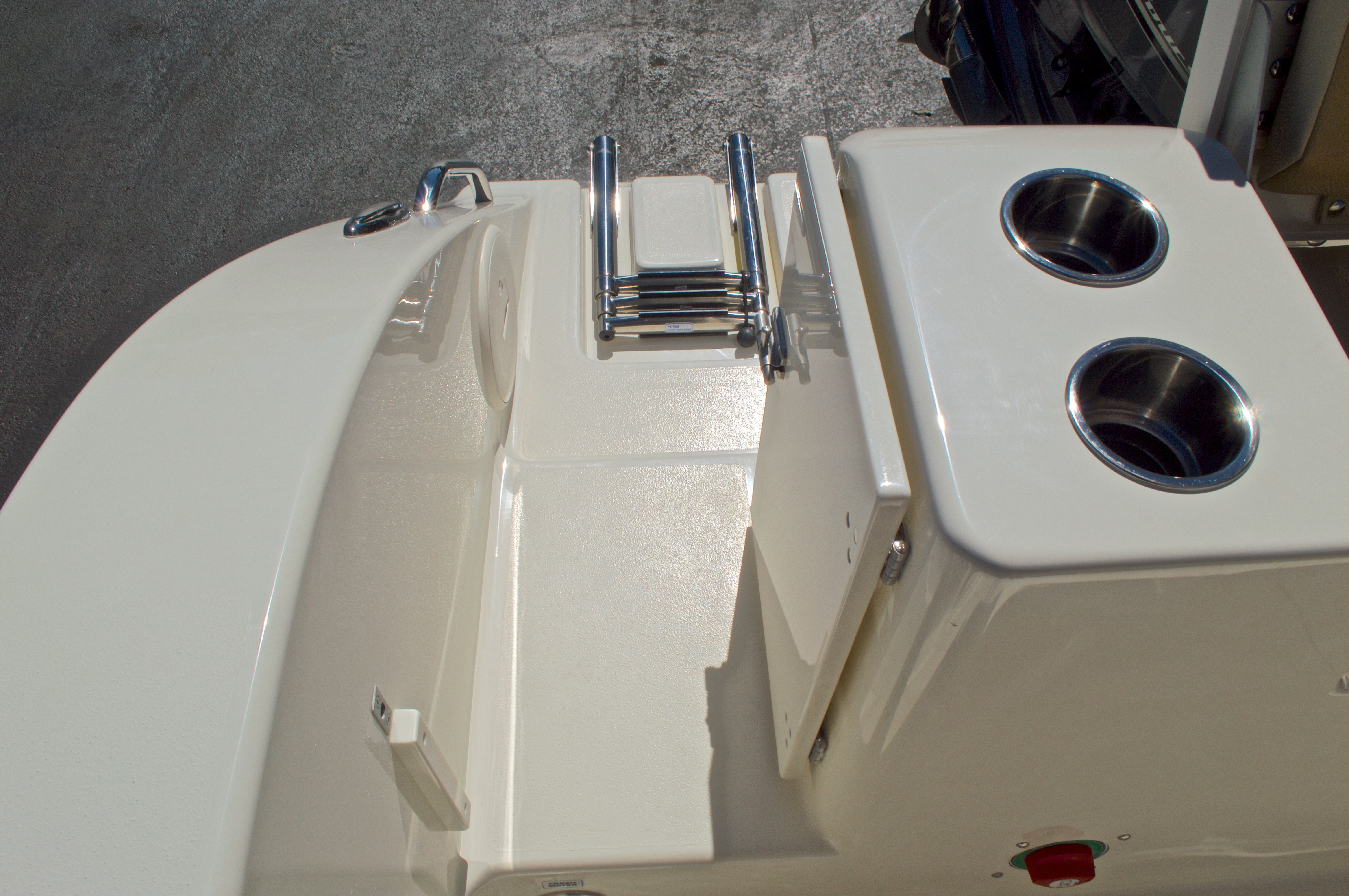 Thumbnail 16 for New 2016 Cobia 201 Center Console boat for sale in Vero Beach, FL