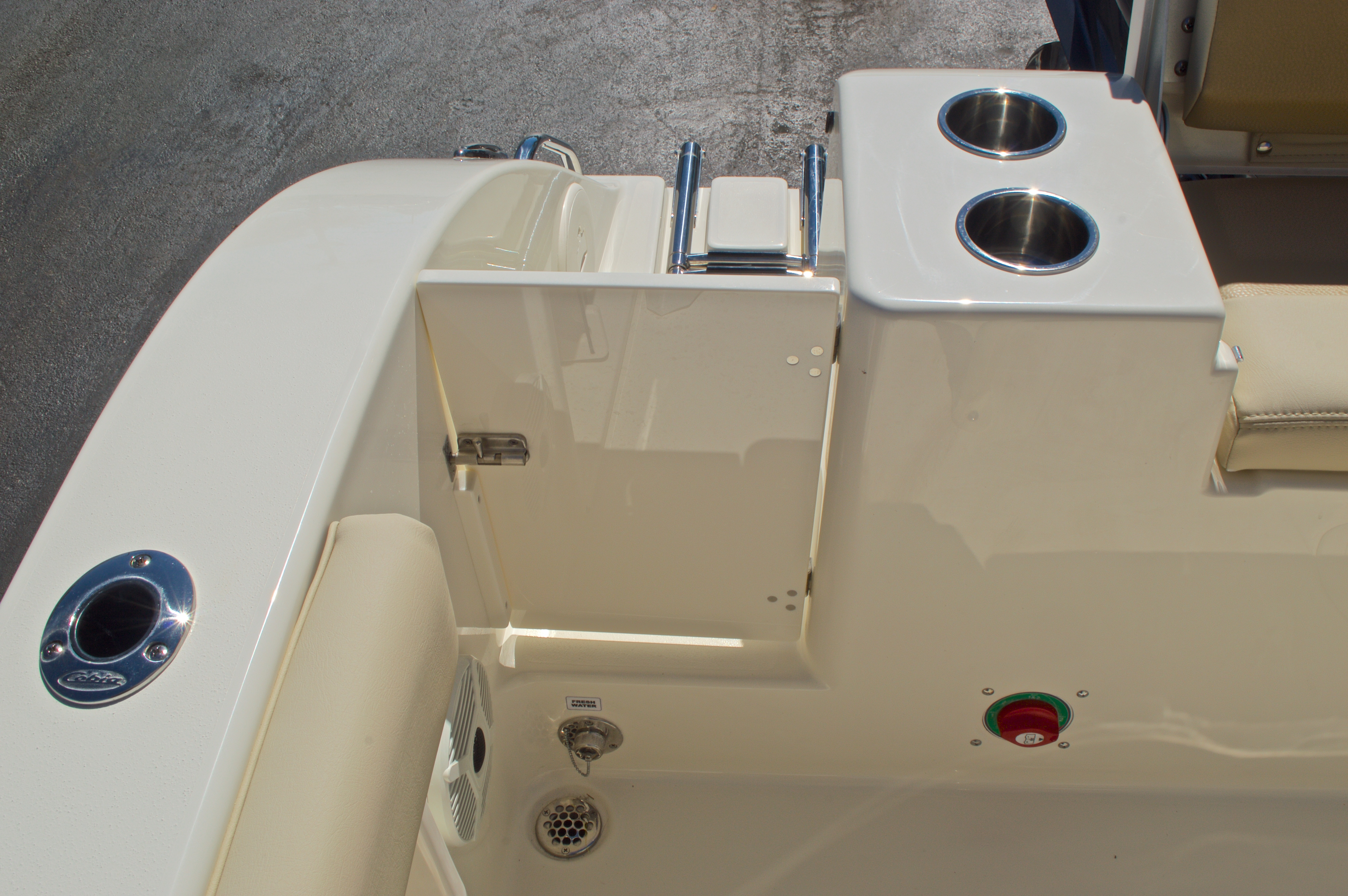 Thumbnail 17 for New 2016 Cobia 201 Center Console boat for sale in Vero Beach, FL