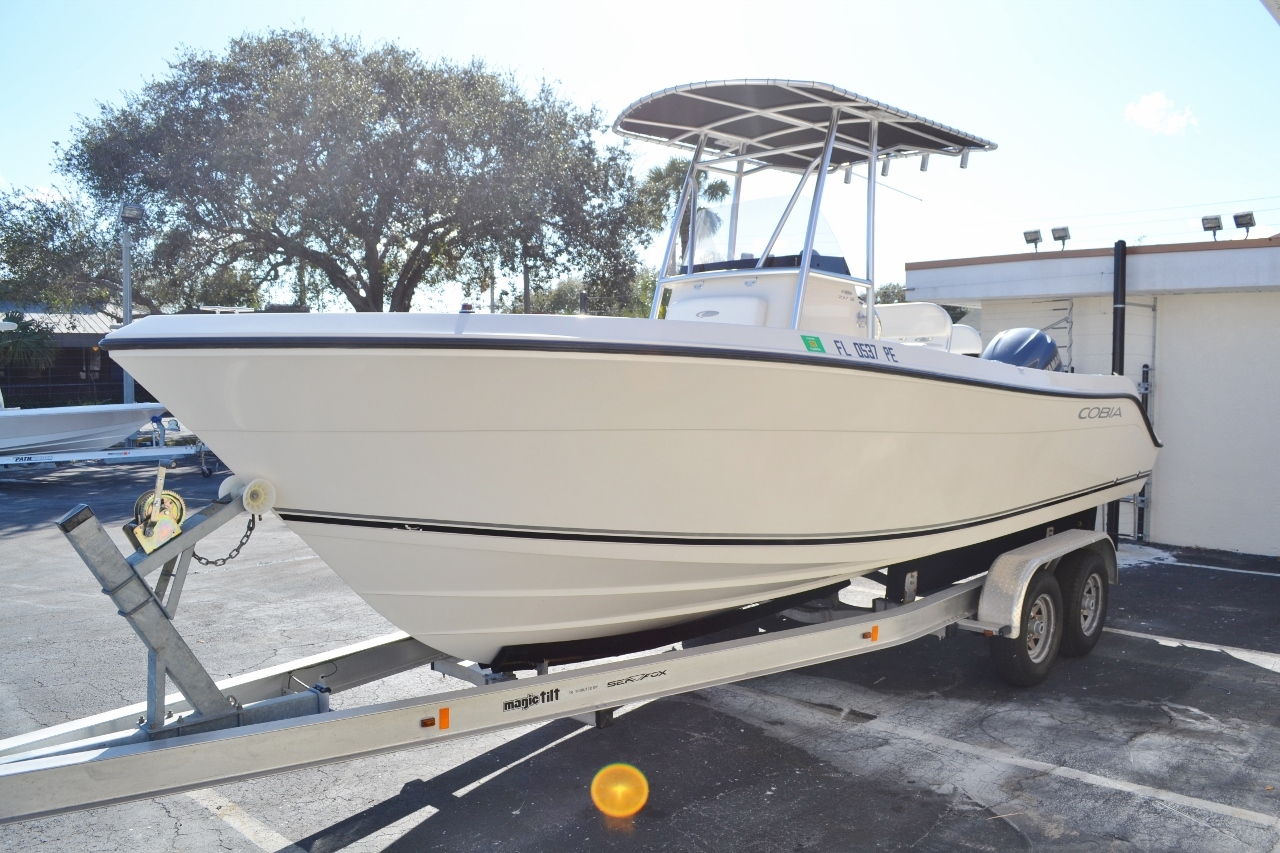 Thumbnail 3 for Used 2010 Cobia 237 Center Console boat for sale in Vero Beach, FL