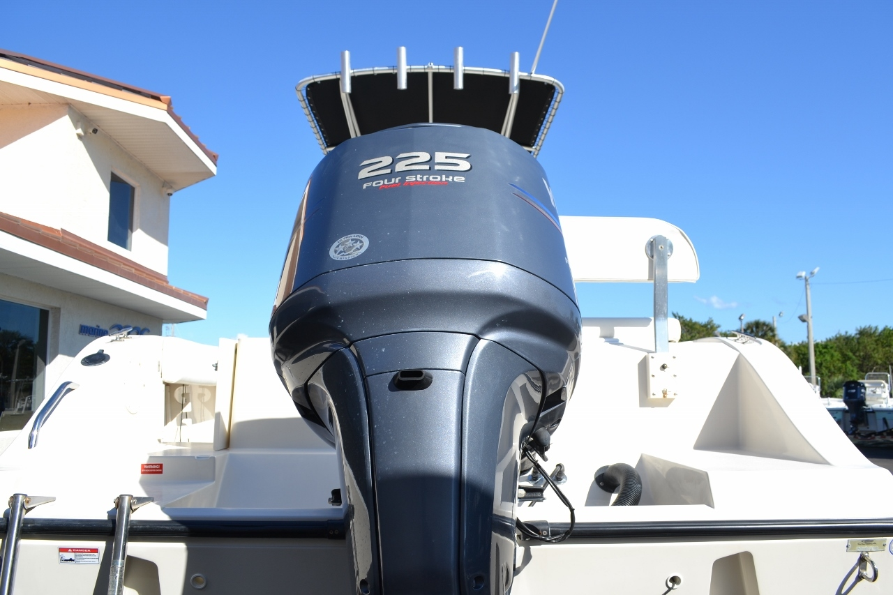 Thumbnail 5 for Used 2010 Cobia 237 Center Console boat for sale in Vero Beach, FL