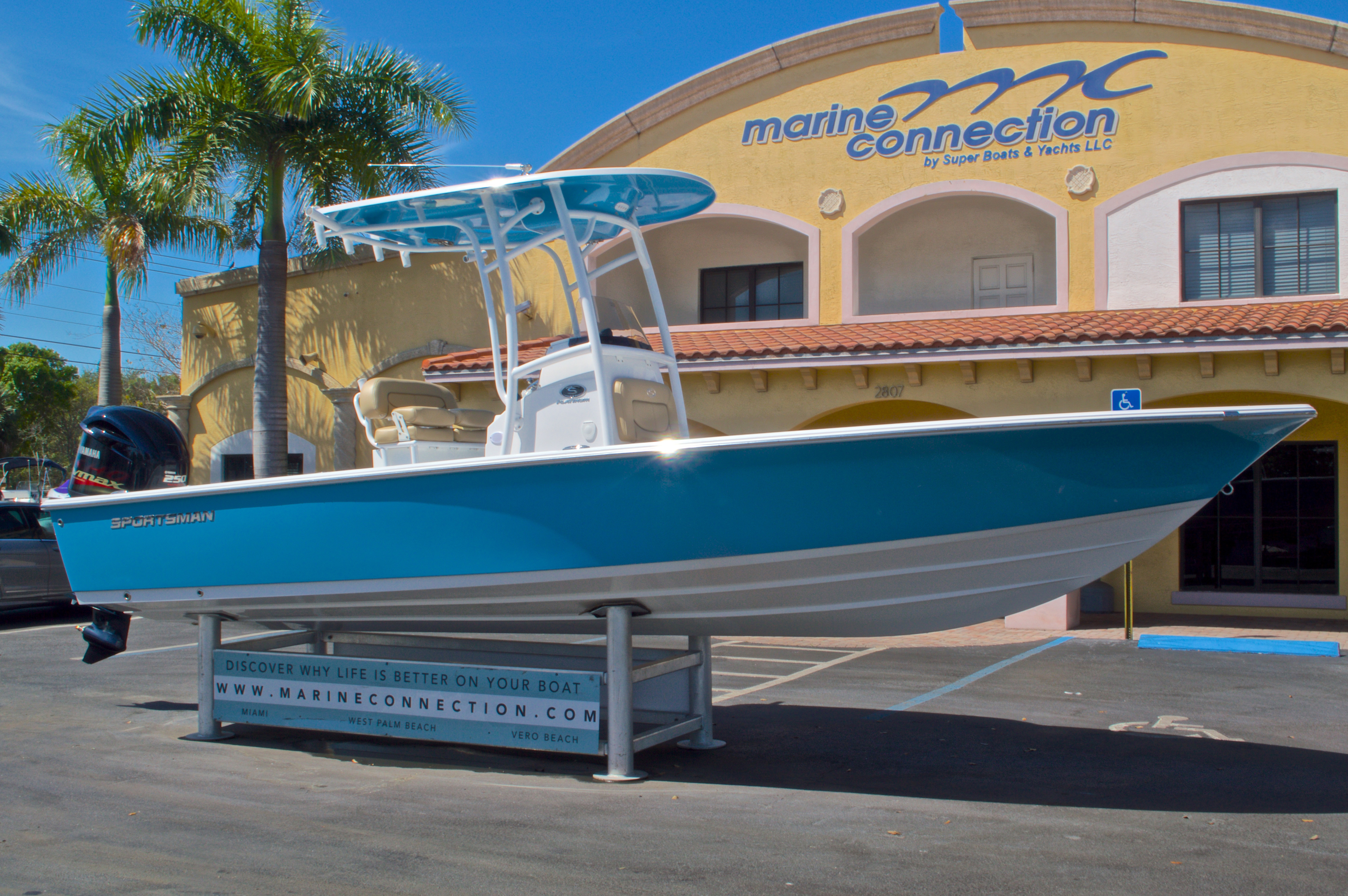 Thumbnail 1 for New 2016 Sportsman Masters 247 Bay Boat boat for sale in West Palm Beach, FL