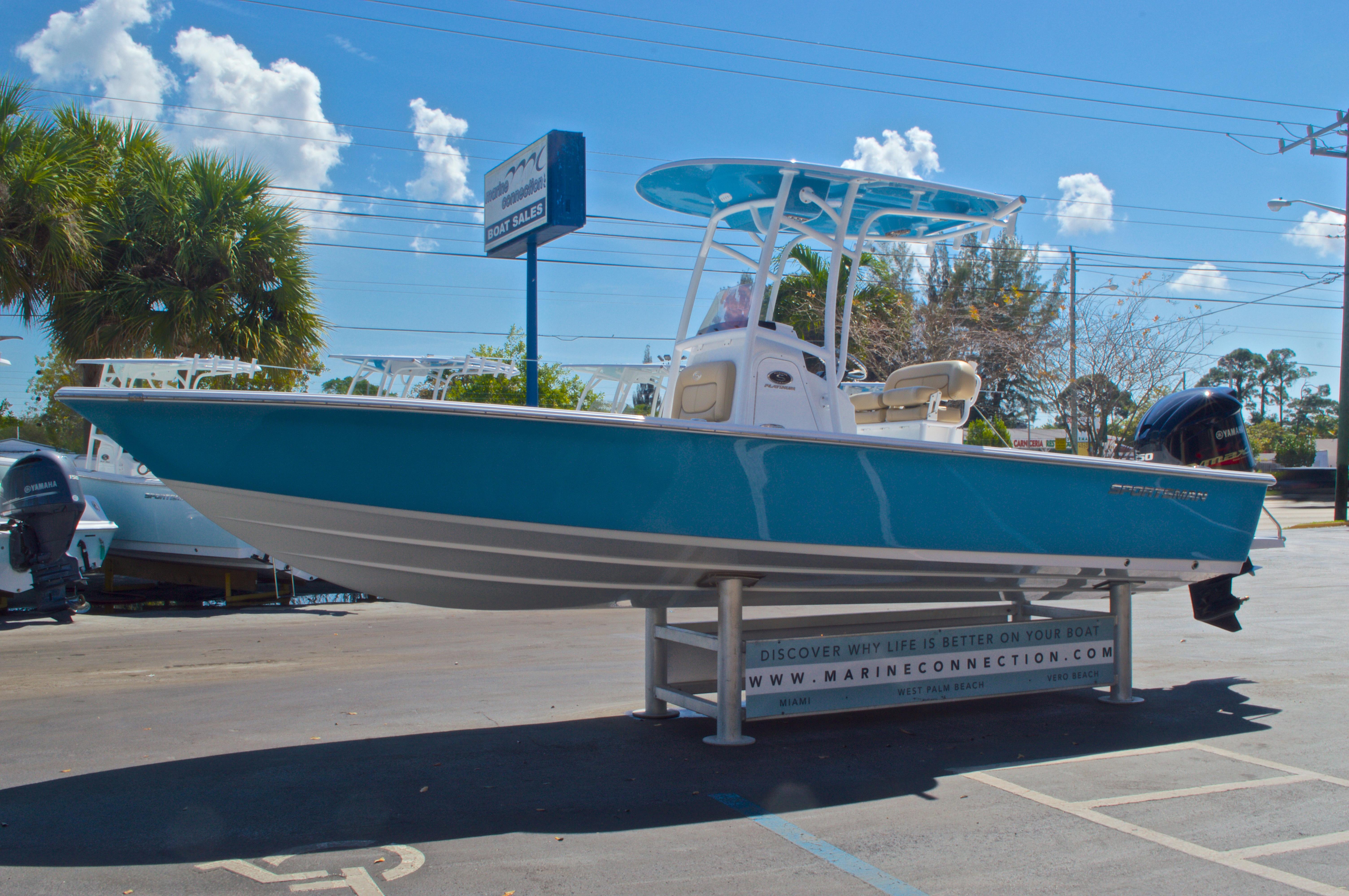 Thumbnail 4 for New 2016 Sportsman Masters 247 Bay Boat boat for sale in West Palm Beach, FL