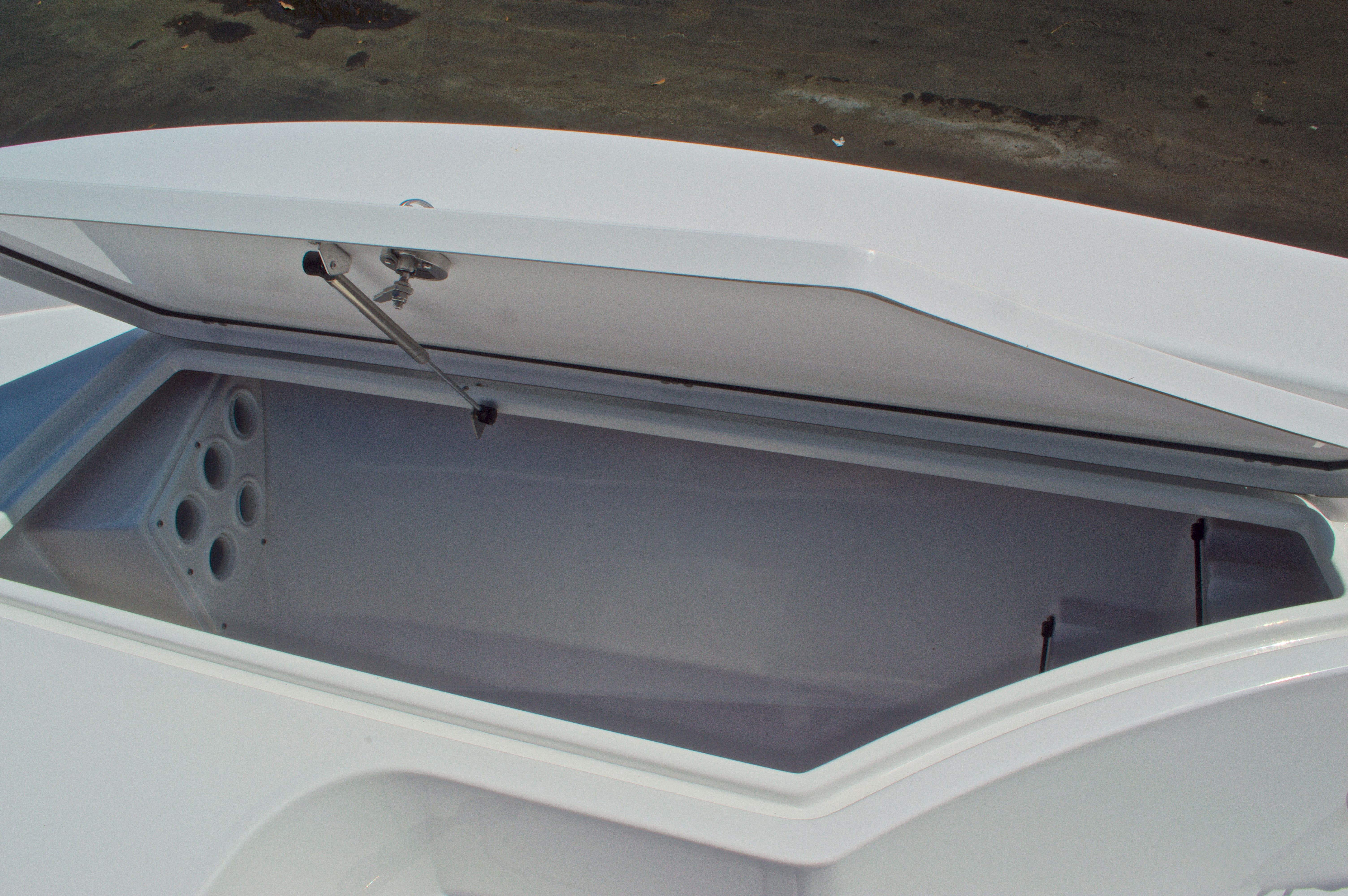 Thumbnail 48 for New 2016 Sportsman Masters 247 Bay Boat boat for sale in West Palm Beach, FL