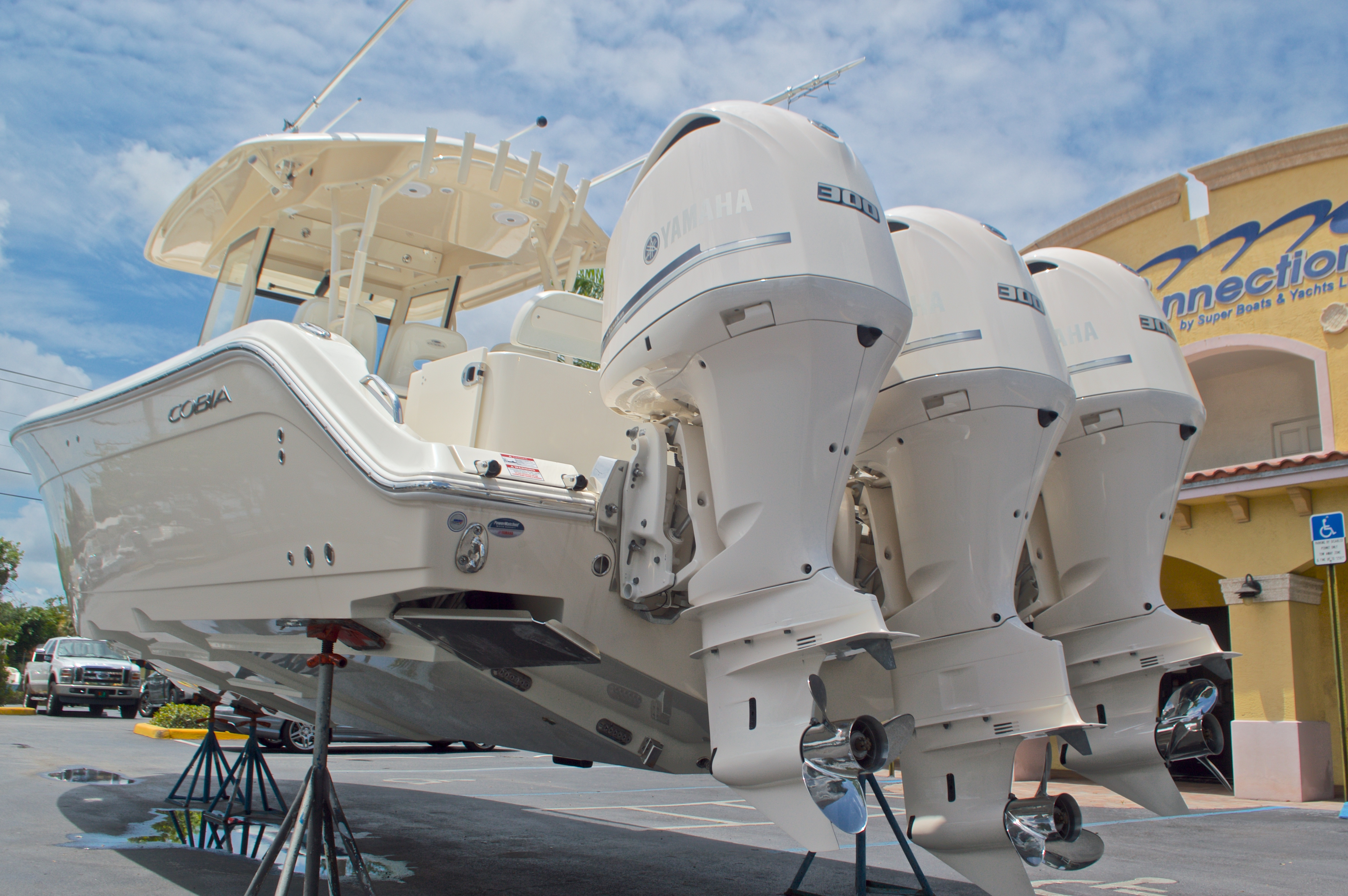 Thumbnail 4 for New 2016 Cobia 344 Center Console boat for sale in West Palm Beach, FL