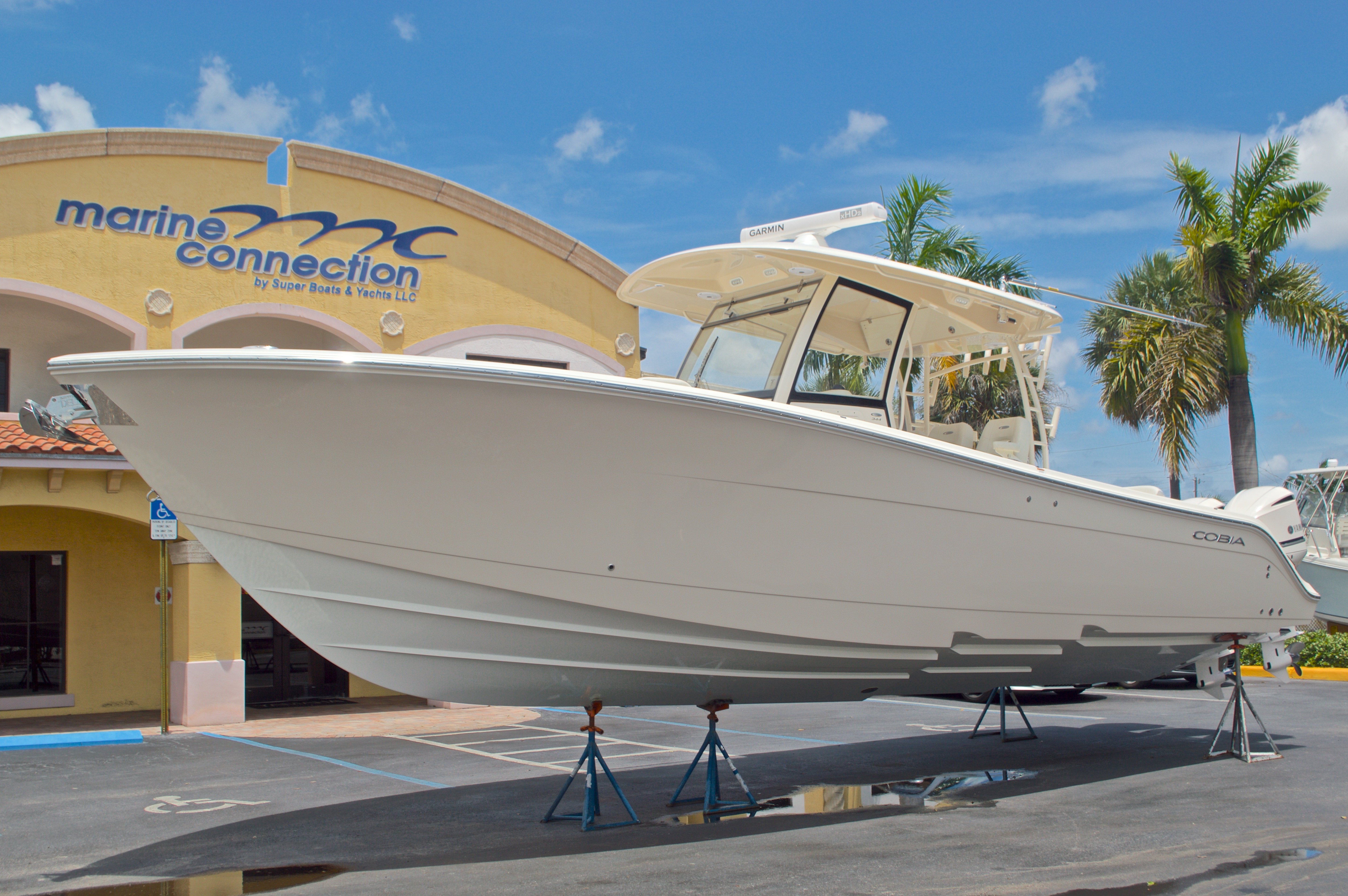 Thumbnail 12 for New 2016 Cobia 344 Center Console boat for sale in West Palm Beach, FL