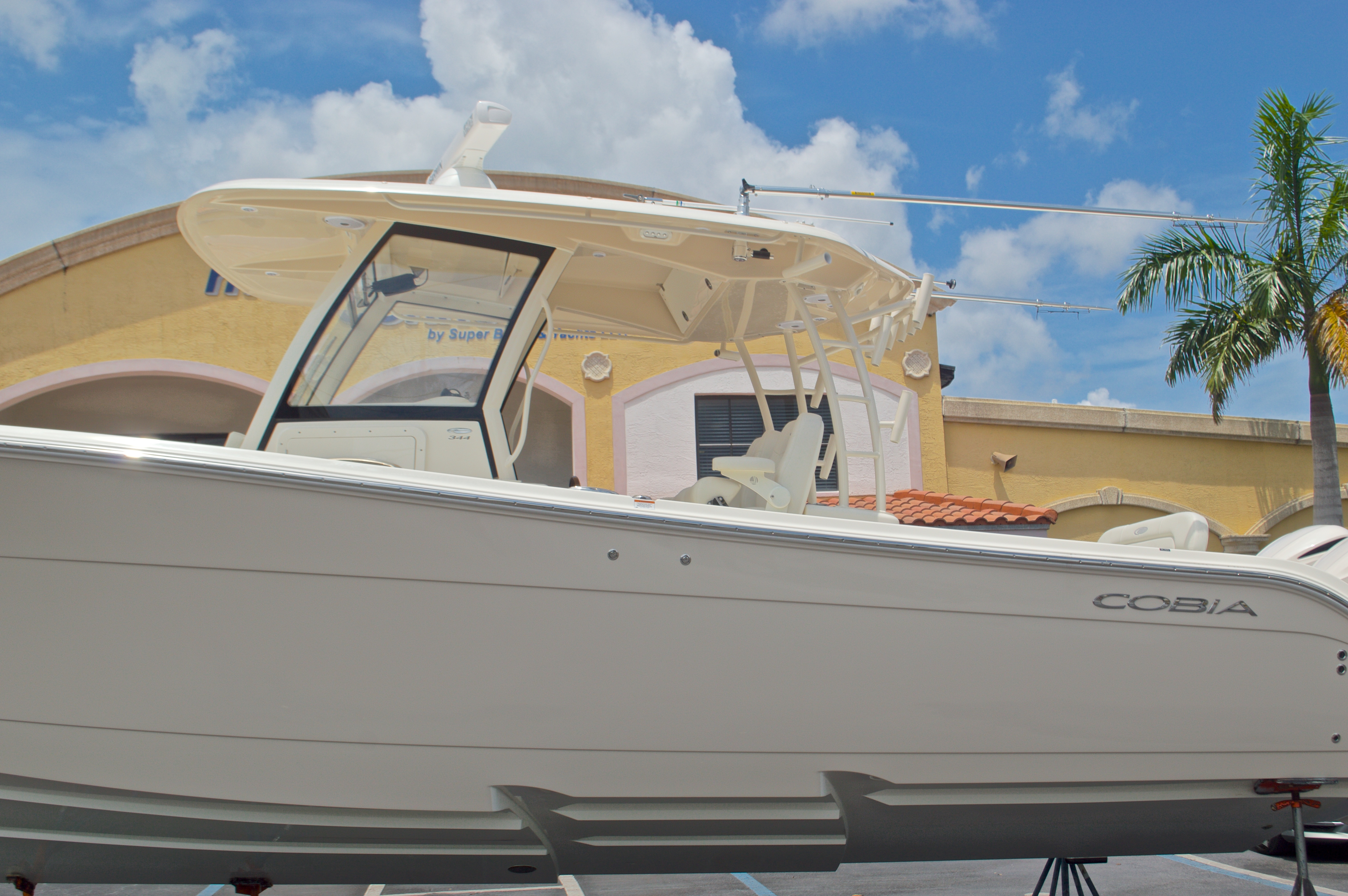 Thumbnail 13 for New 2016 Cobia 344 Center Console boat for sale in West Palm Beach, FL