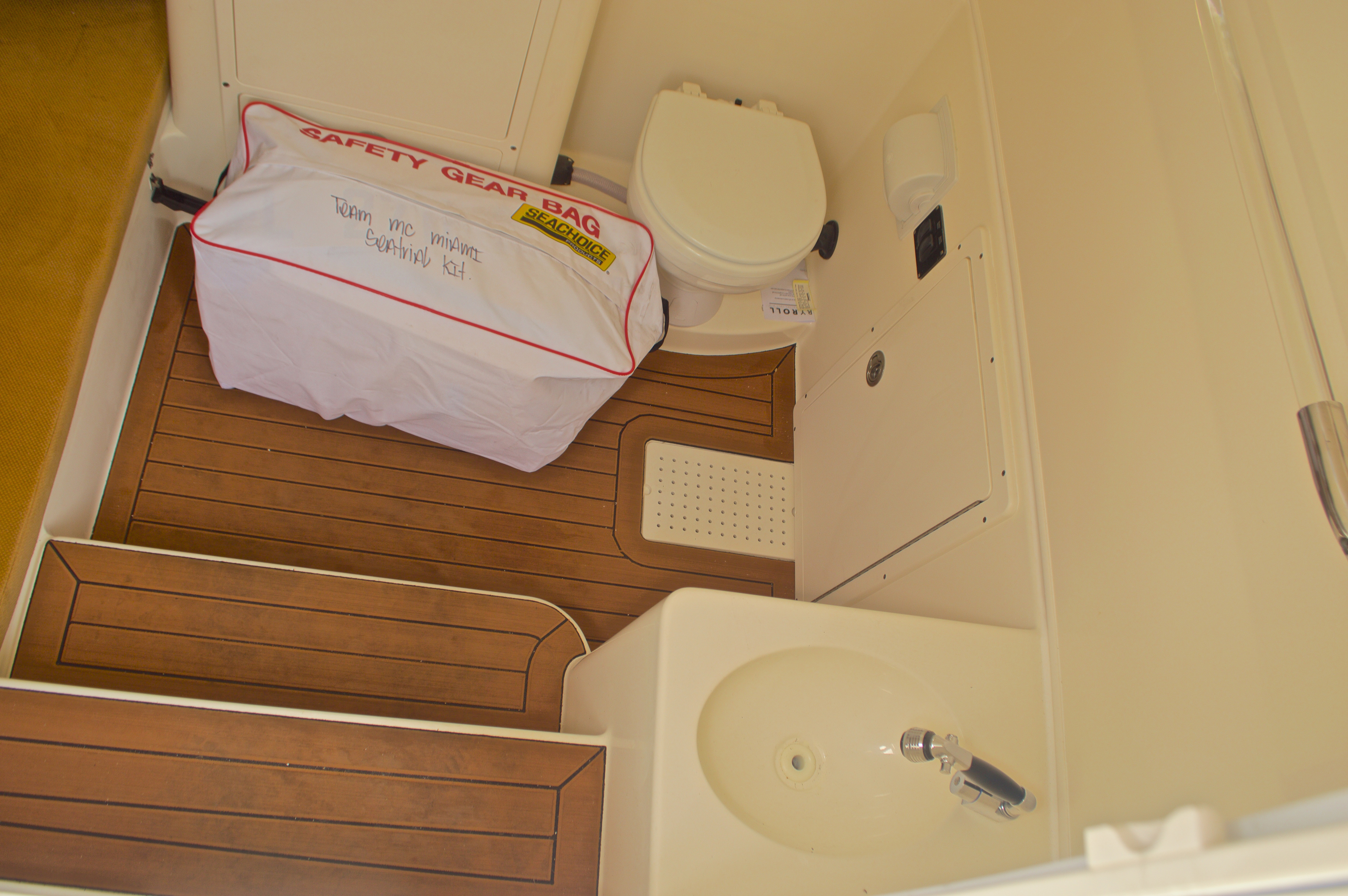 Thumbnail 62 for New 2016 Cobia 344 Center Console boat for sale in West Palm Beach, FL