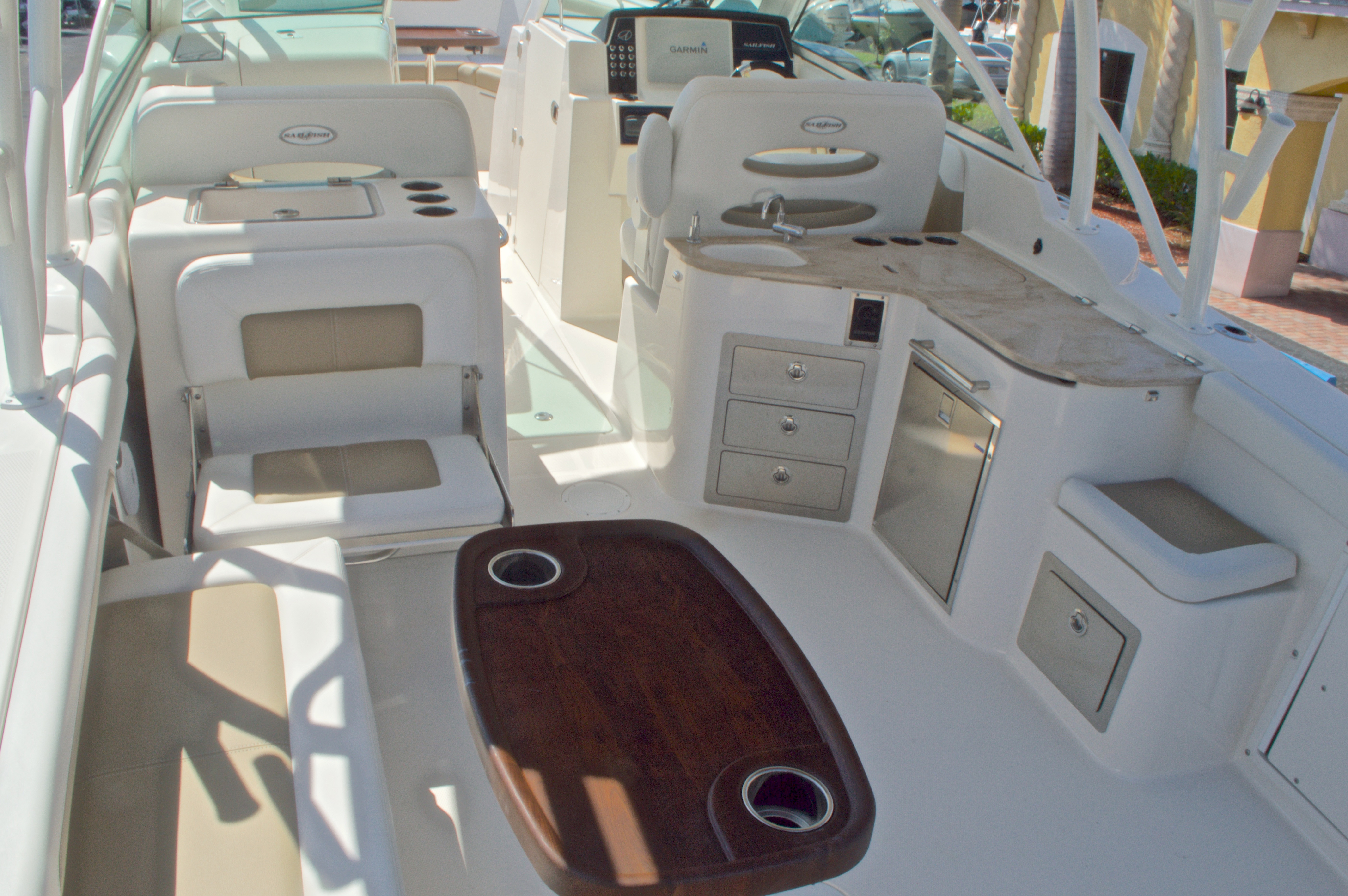 Thumbnail 10 for New 2016 Sailfish 325 Dual Console boat for sale in West Palm Beach, FL