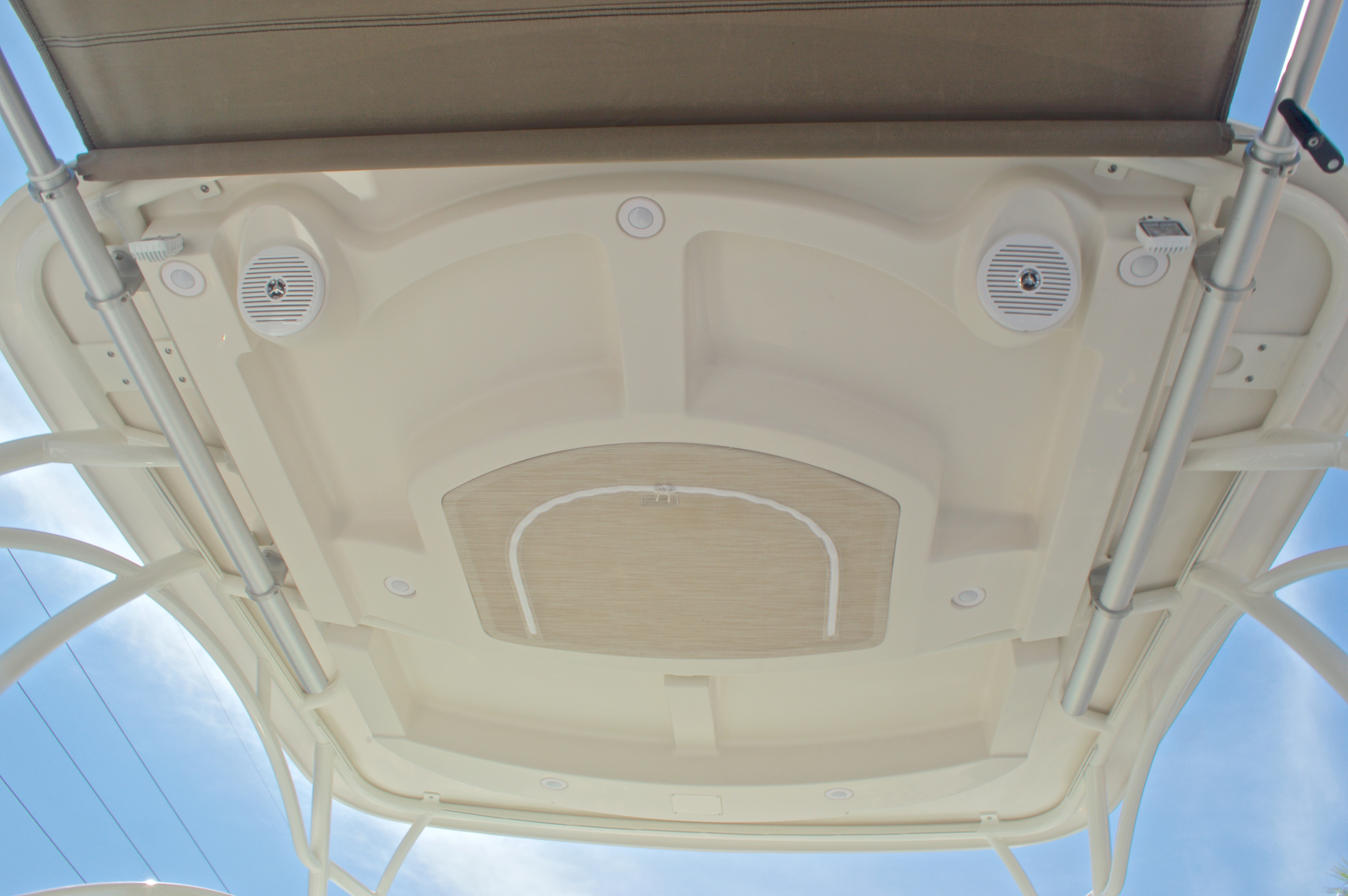 Thumbnail 30 for New 2016 Sailfish 325 Dual Console boat for sale in West Palm Beach, FL