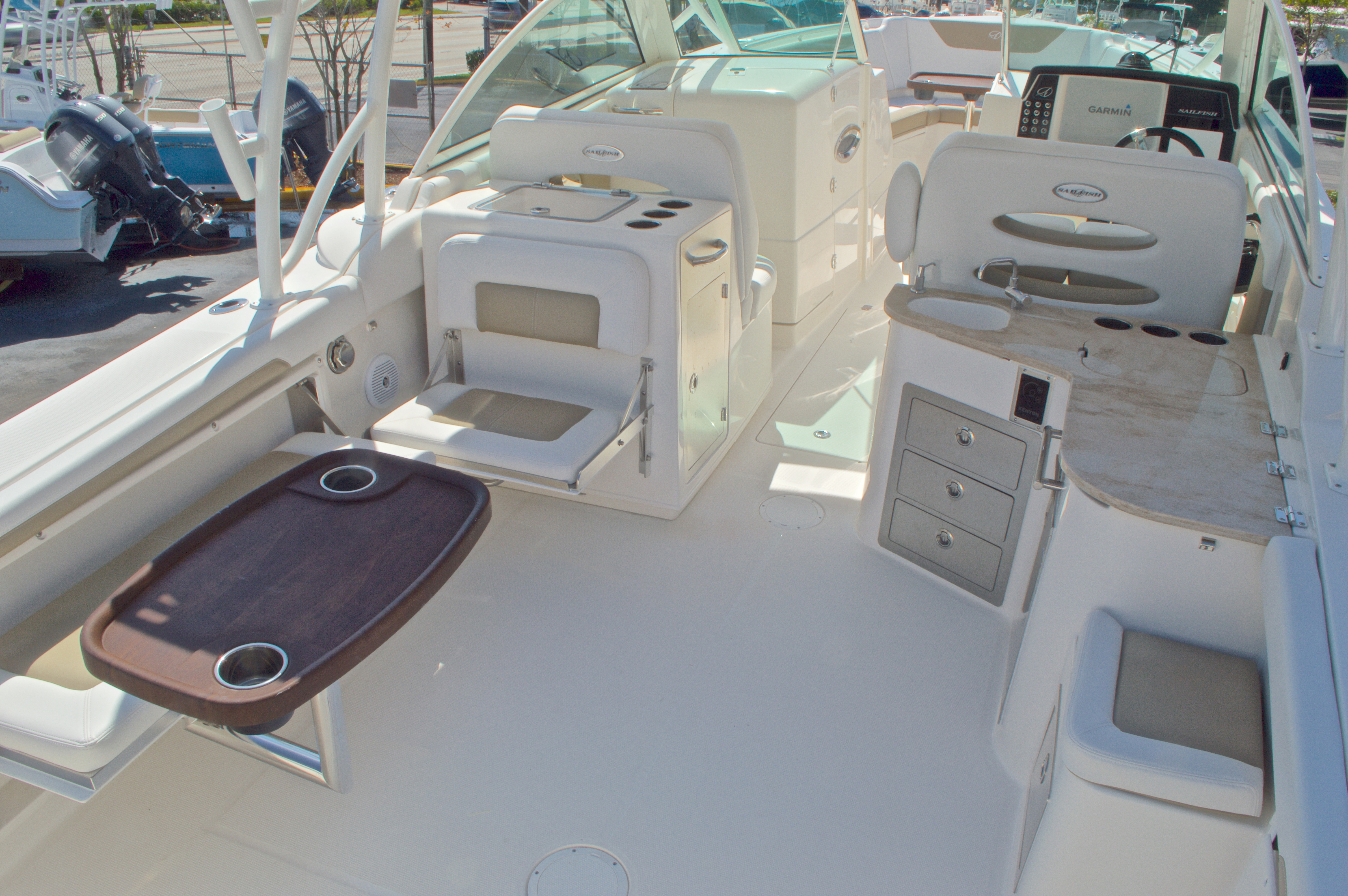 Thumbnail 12 for New 2016 Sailfish 325 Dual Console boat for sale in West Palm Beach, FL