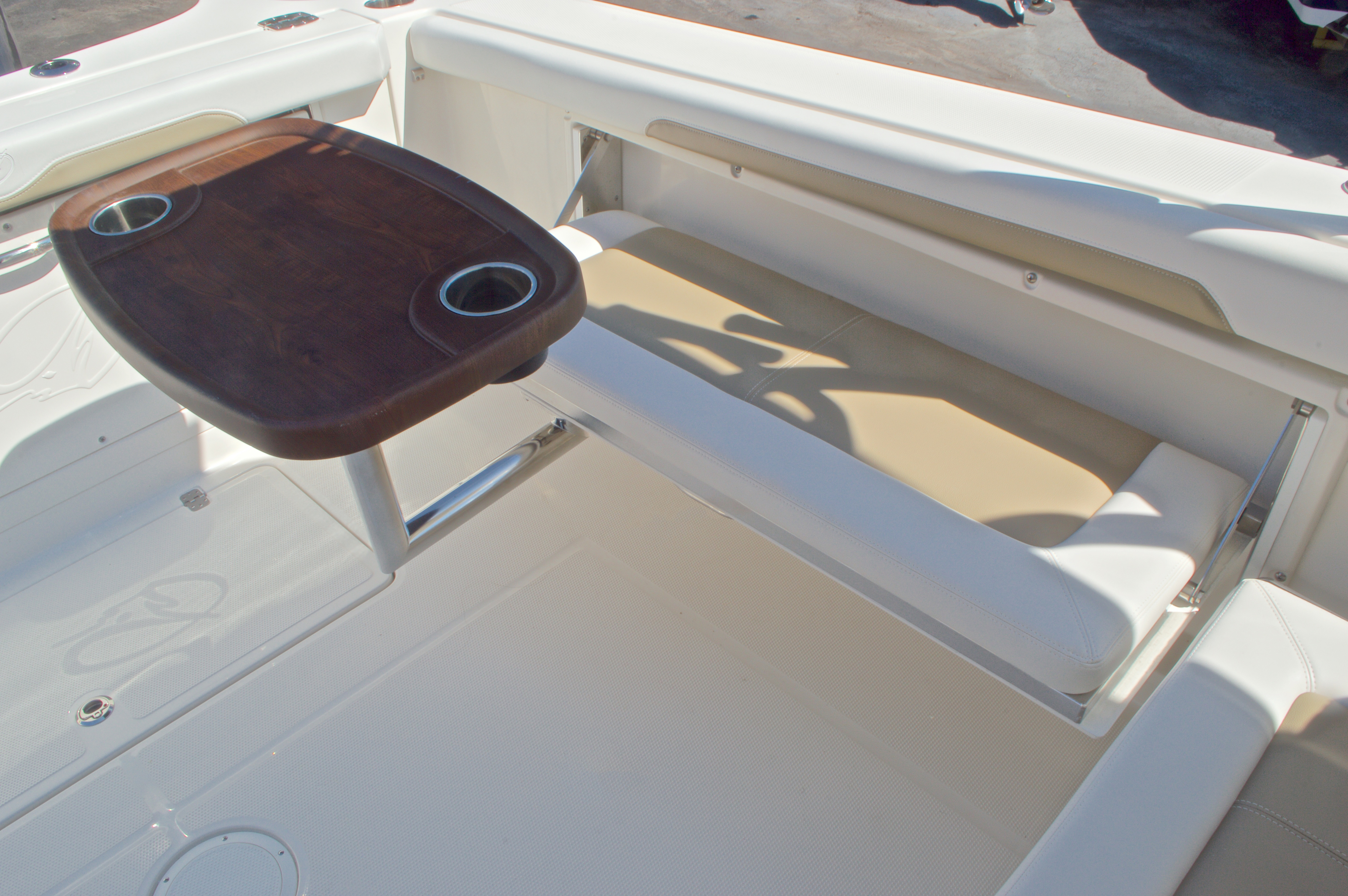 Thumbnail 29 for New 2016 Sailfish 325 Dual Console boat for sale in West Palm Beach, FL