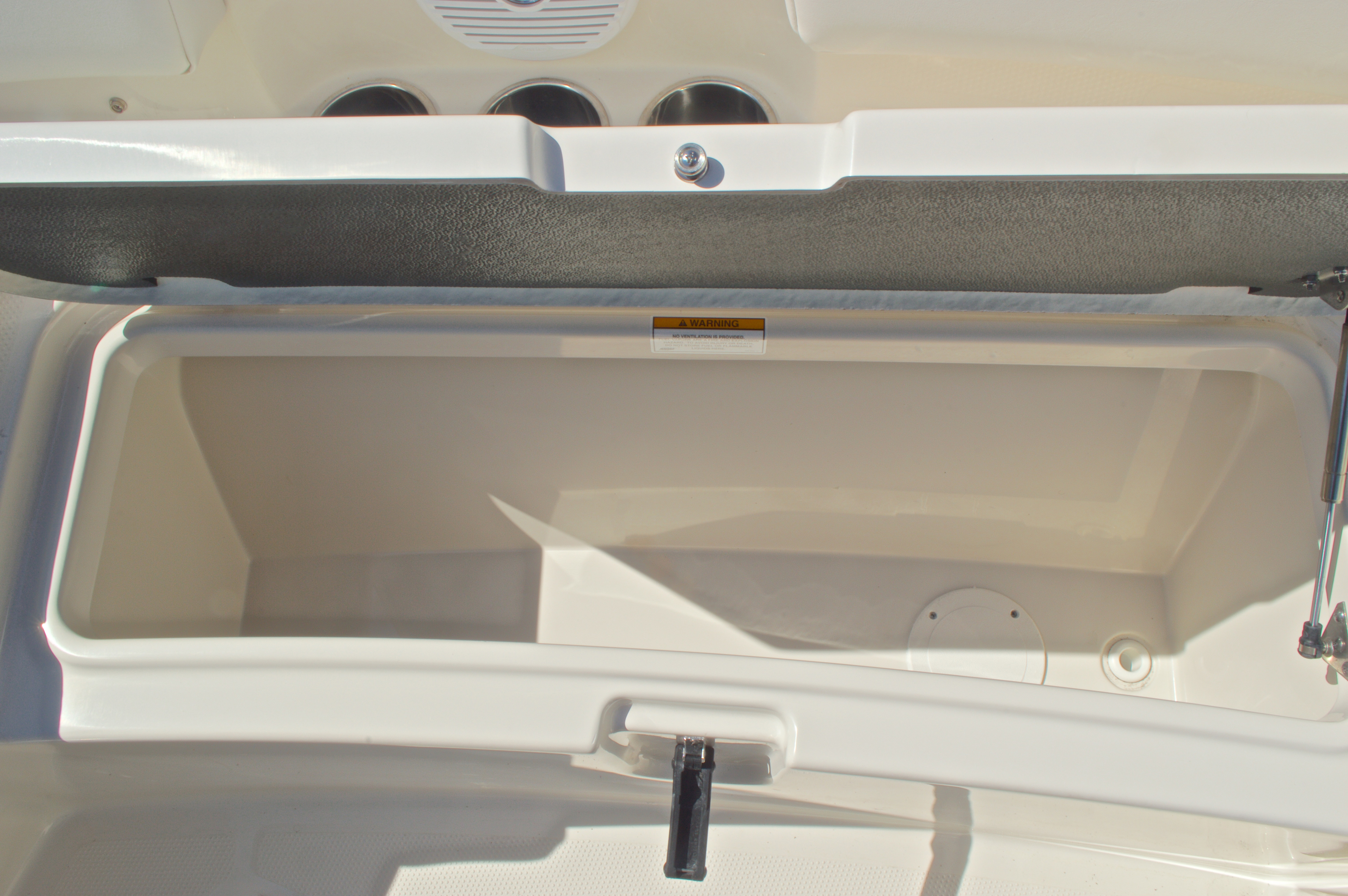 Thumbnail 73 for New 2016 Sailfish 325 Dual Console boat for sale in West Palm Beach, FL