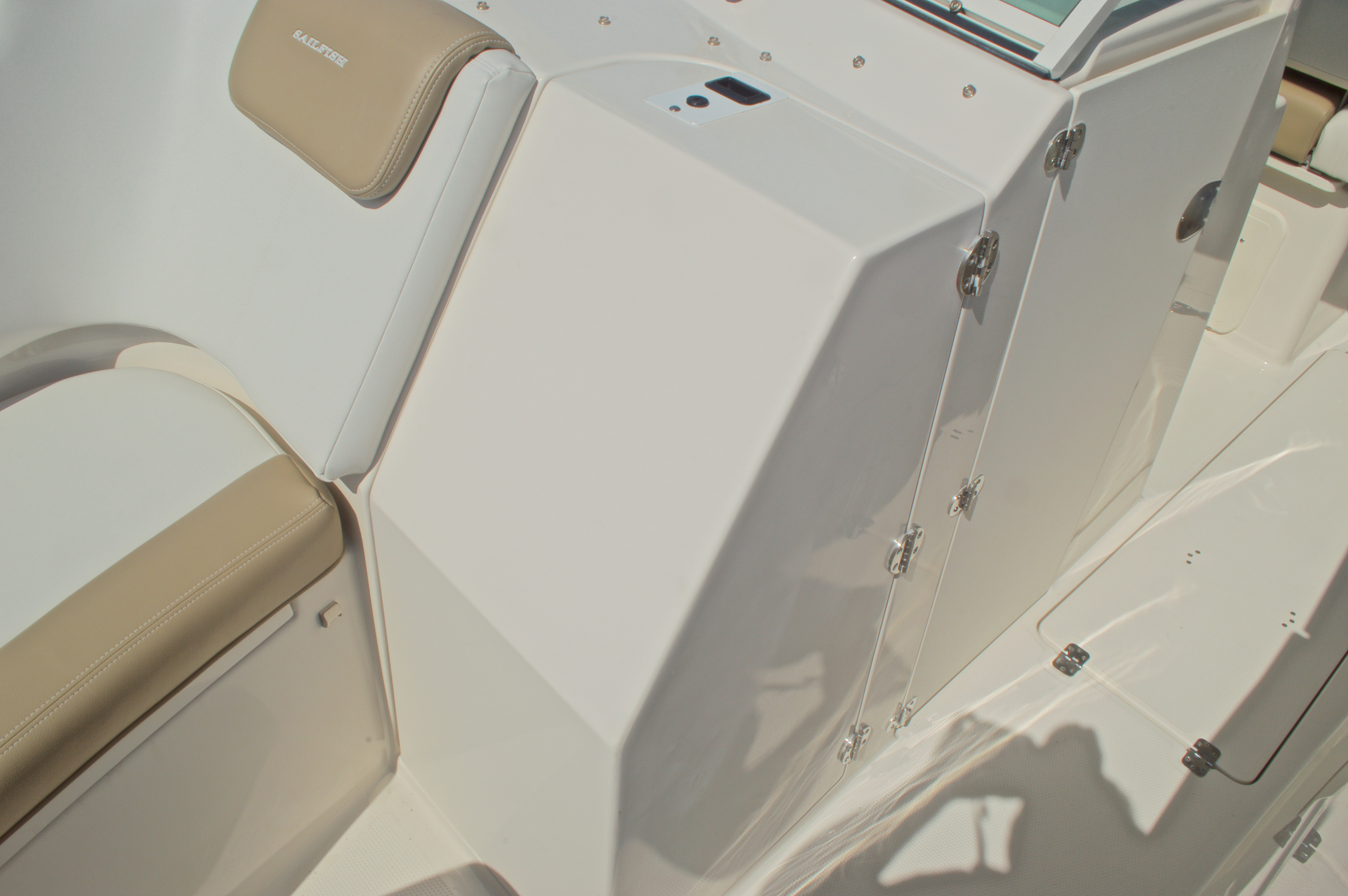Thumbnail 80 for New 2016 Sailfish 325 Dual Console boat for sale in West Palm Beach, FL