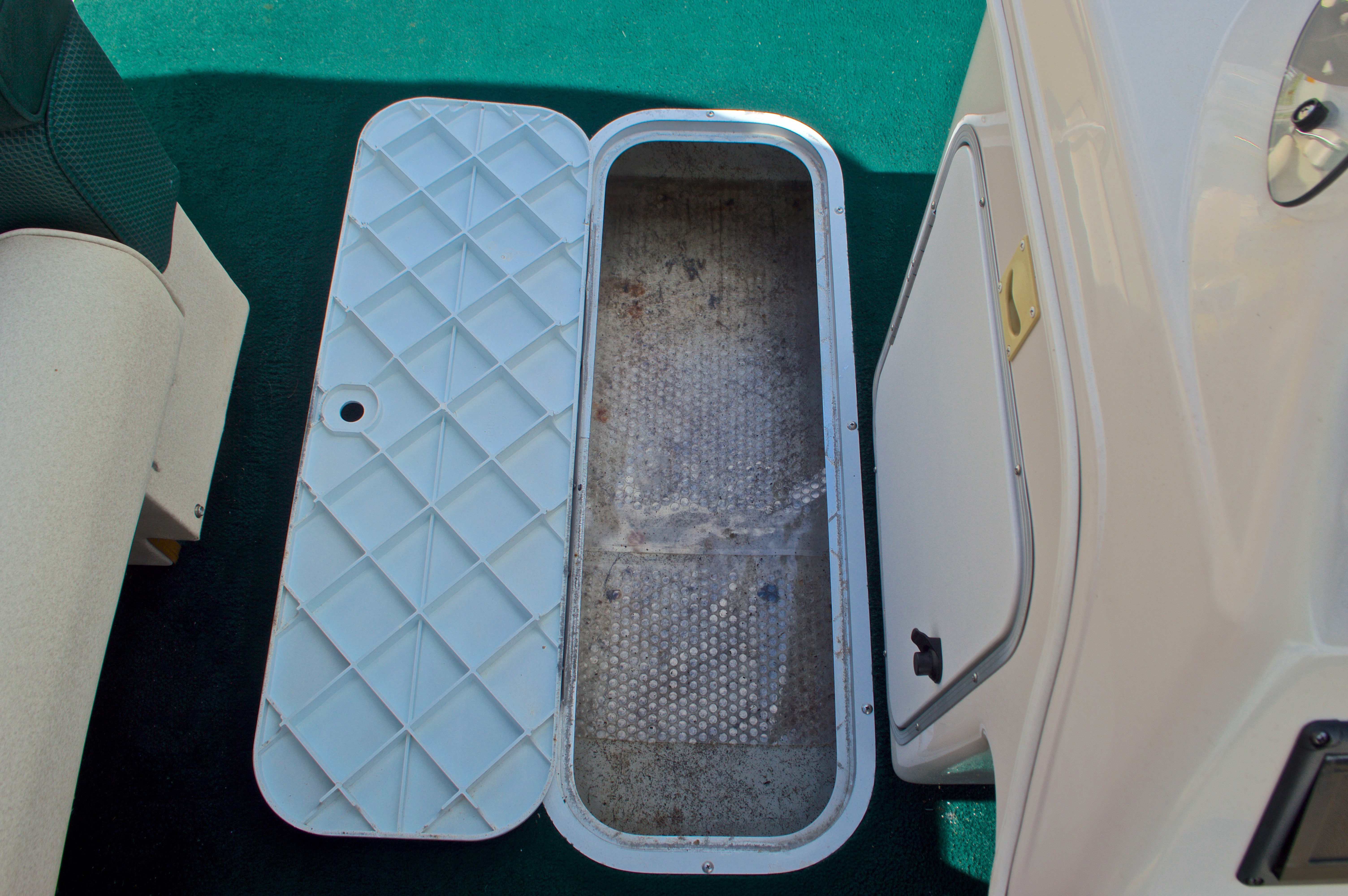 Thumbnail 21 for Used 1997 Hurricane Fun Deck 196LC boat for sale in West Palm Beach, FL