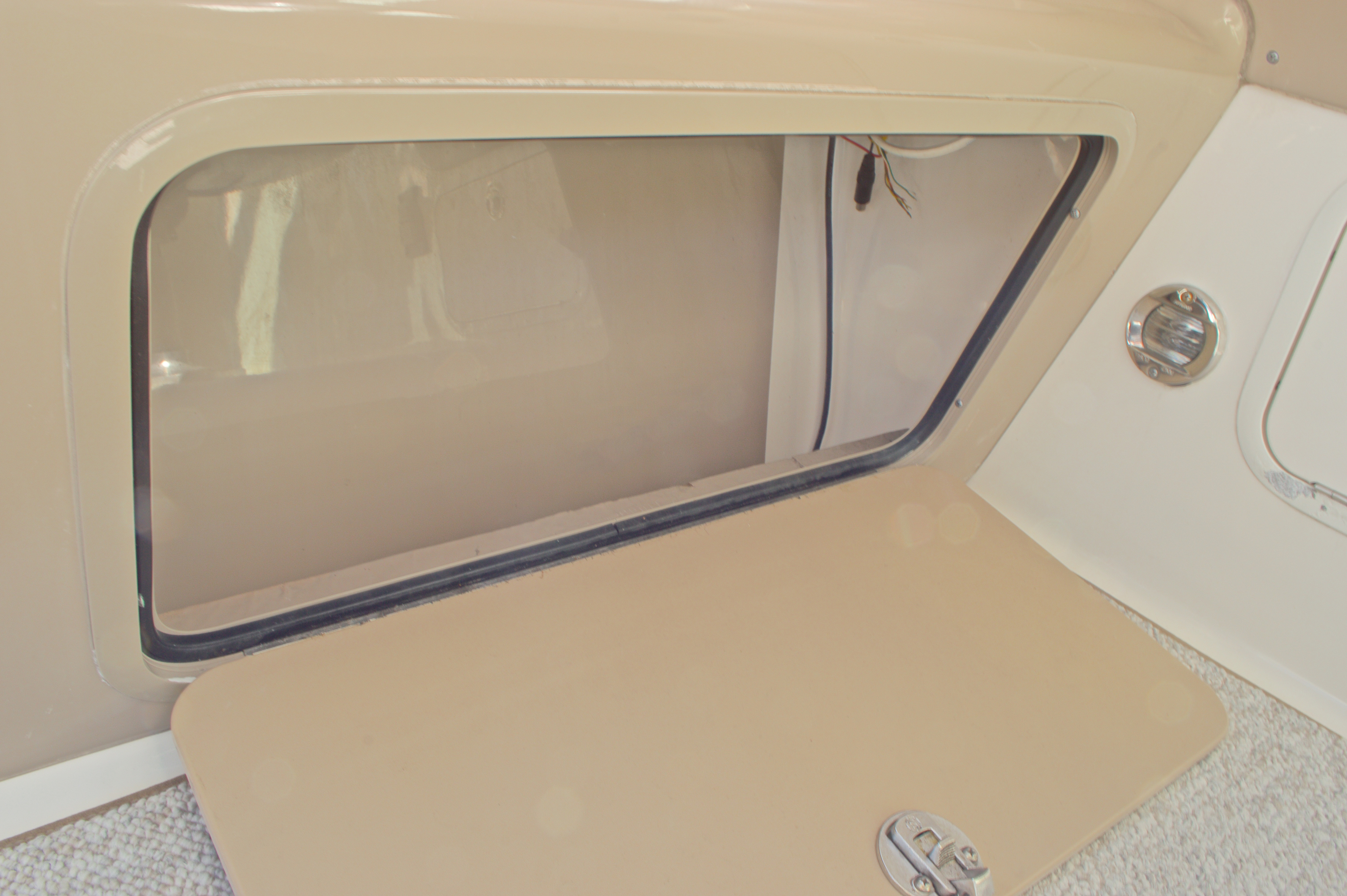 Thumbnail 44 for Used 2005 Sea Ray 280 Sundancer boat for sale in West Palm Beach, FL