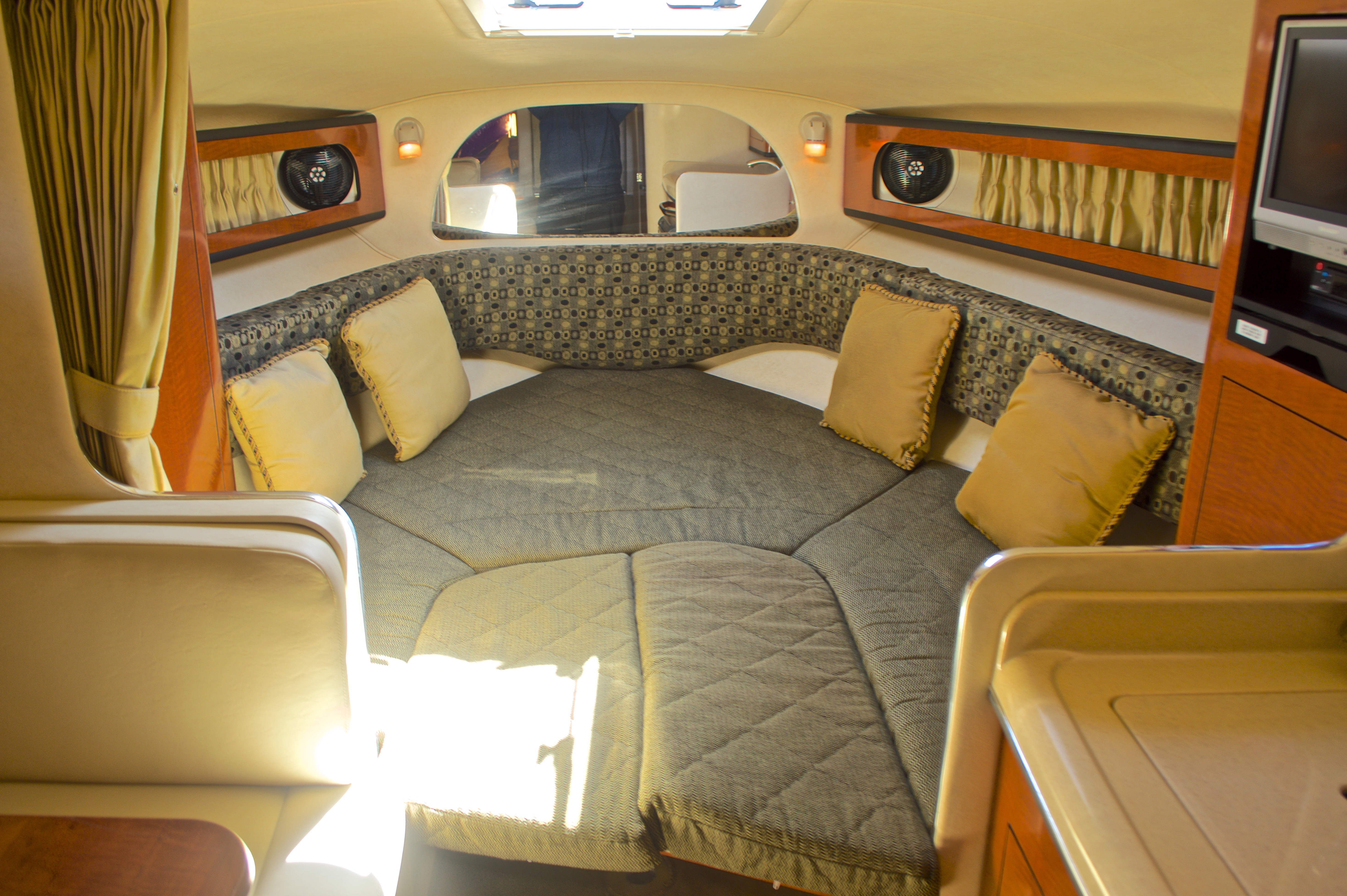 Thumbnail 49 for Used 2005 Sea Ray 280 Sundancer boat for sale in West Palm Beach, FL
